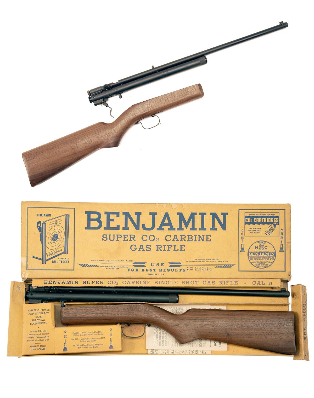 BENJAMIN, USA A SCARCE BOXED .22 CO2-POWERED SINGLE-SHOT RIFLE, MODEL '362', serial no. 16709, circa - Image 5 of 5