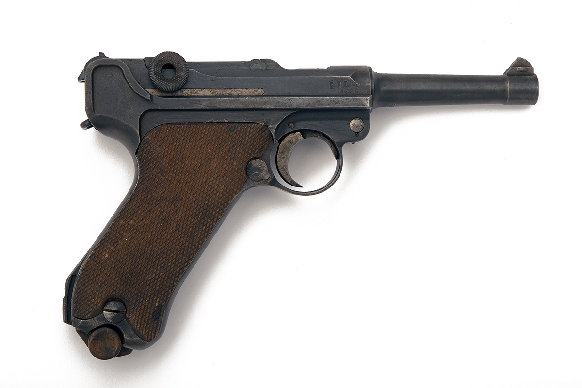 FORMERLY THE PROPERTY OF LORD BRABOURNE DWM GERMANY A 9mm (PARA) SEMI-AUTOMATIC PISTOL, MODEL 'P08 - Image 2 of 4
