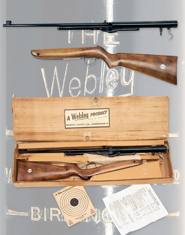 WEBLEY & SCOTT, BIRMINGHAM A SCARCE BOXED .22 UNDER-LEVER AIR-RIFLE, MODEL 'MK3 TRANSITIONAL', - Image 4 of 4
