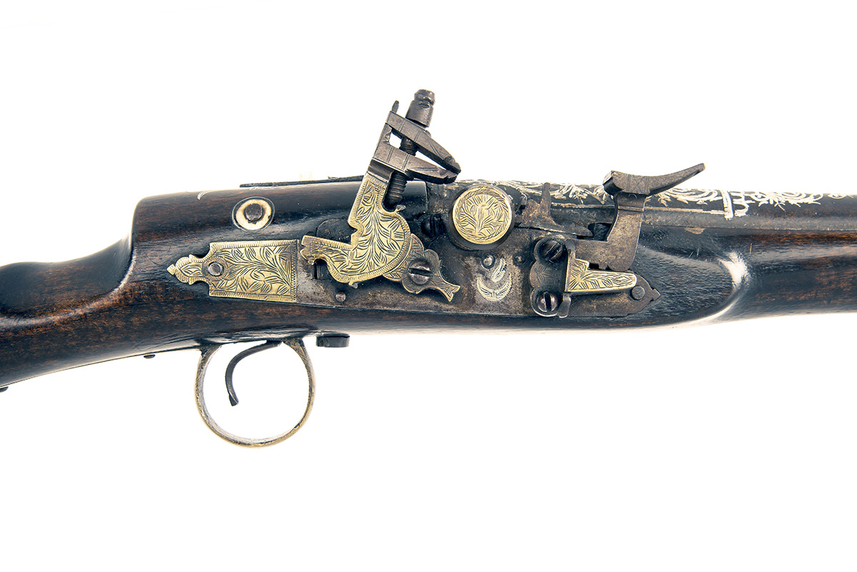 A 20-BORE SNAPHAUNCE BLUNDERBUSS or BREAST-PISTOL, UNSIGNED, no visible serial number, North African - Image 3 of 4