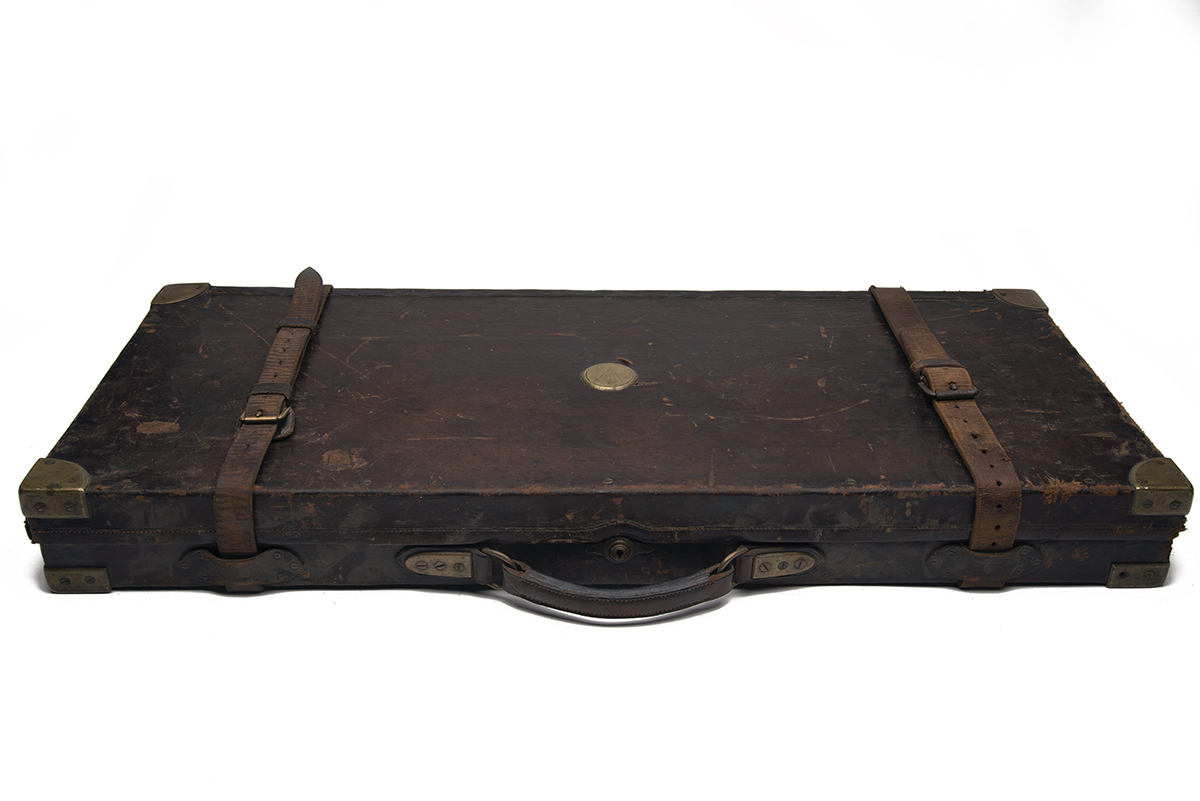 JAMES PURDEY & SONS A BRASS-CORNERED OAK AND LEATHER DOUBLE GUNCASE, fitted for 29in. barrels, the - Image 2 of 2