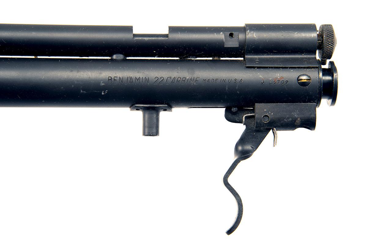 BENJAMIN, USA A SCARCE BOXED .22 CO2-POWERED SINGLE-SHOT RIFLE, MODEL '362', serial no. 16709, circa - Image 4 of 5