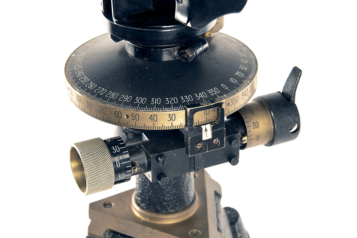 CARL ZEISS, JENA A RARE PAIR OF 12x60 INCLINED FLAK RANGING BINOCULARS WITH TRIPOD, serial no. - Image 3 of 7