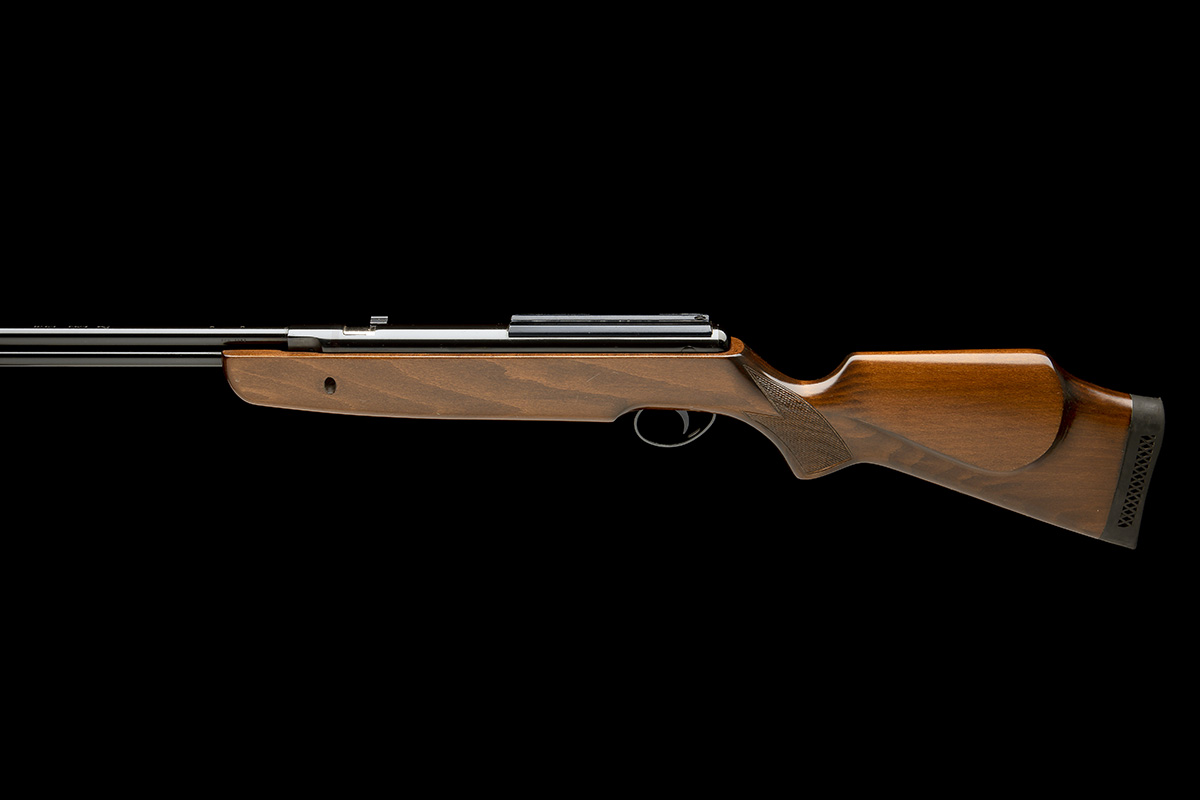 BSA, BIRMINGHAM A SCARCE .25 UNDER-LEVER AIR-RIFLE, MODEL 'SUPERSTAR 25', serial no. APH1983, - Image 2 of 7
