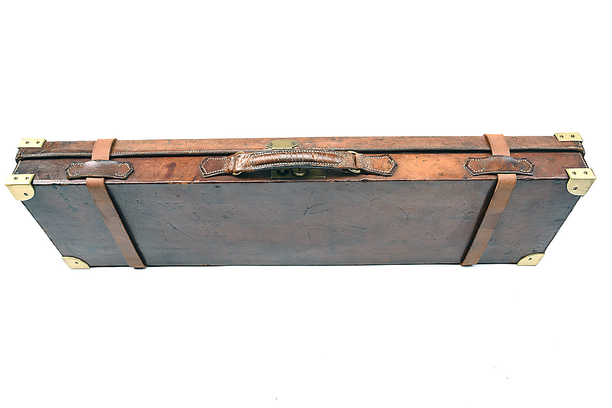 HOLLAND & HOLLAND A BRASS-CORNERED LEATHER 4-BORE SINGLE BARREL GUNCASE, fitted for a 28in. - Image 7 of 12