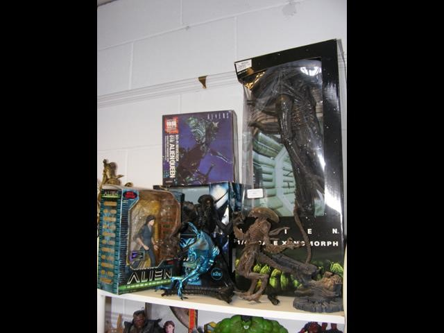 A number of boxed and unboxed Alien figures, inclu