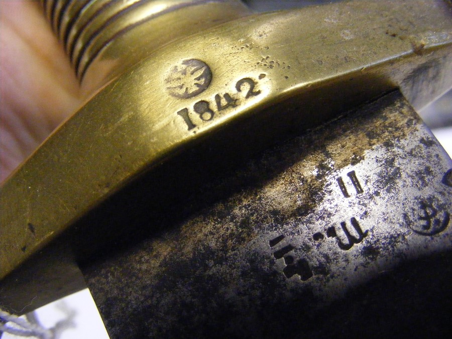 An antique French Talabot short sword with serrate - Image 3 of 5