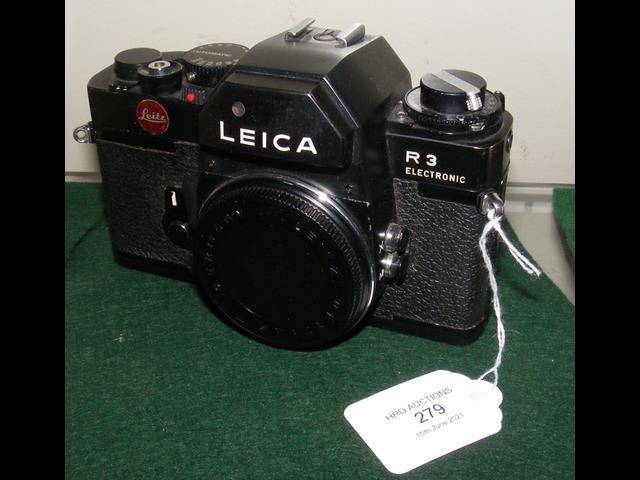 A Leica R3 electronic SLR camera
