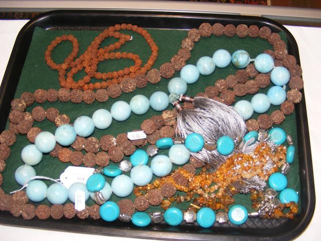An African style turquoise heavy ladies beaded nec