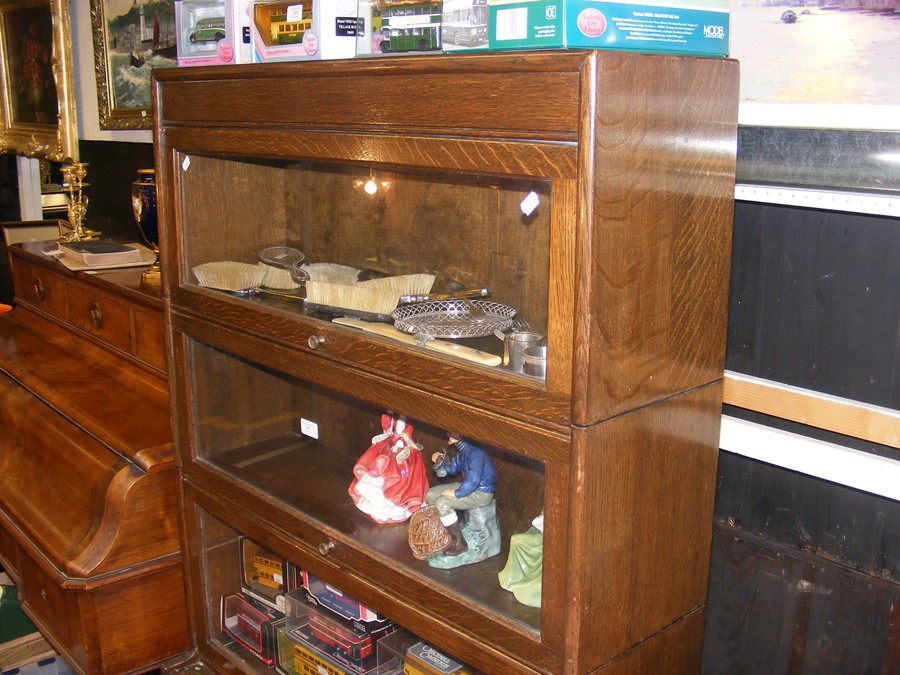 A Globe Wernicke style four section bookcase - Image 2 of 6