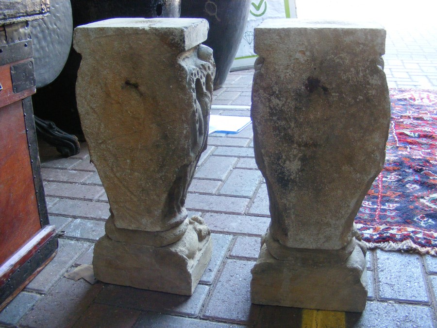 A pair of decoratively carved ancient Spanish ston - Image 6 of 12