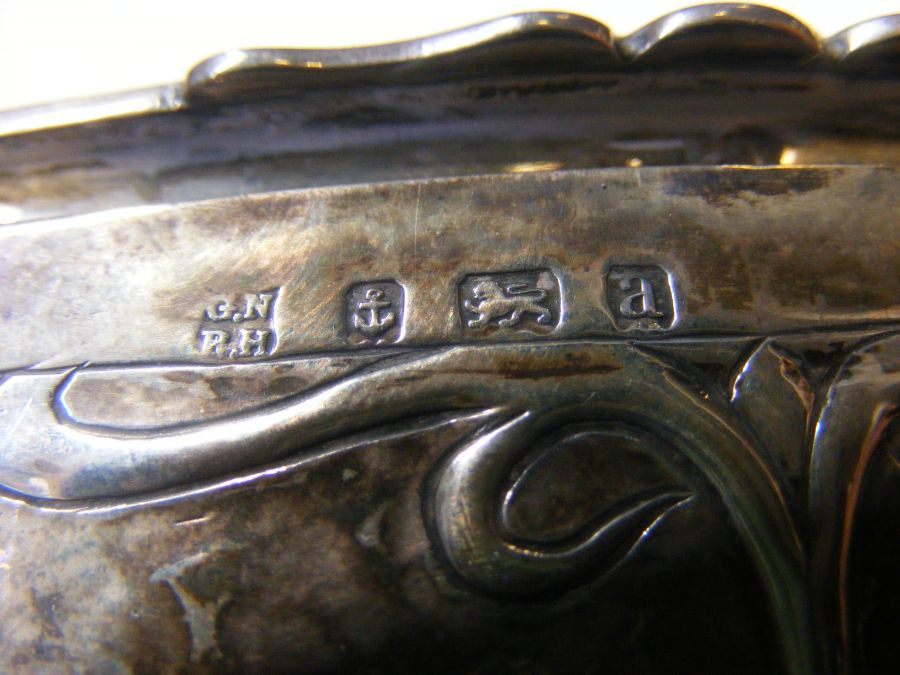 A silver box with Art Nouveau relief work decorati - Image 2 of 4