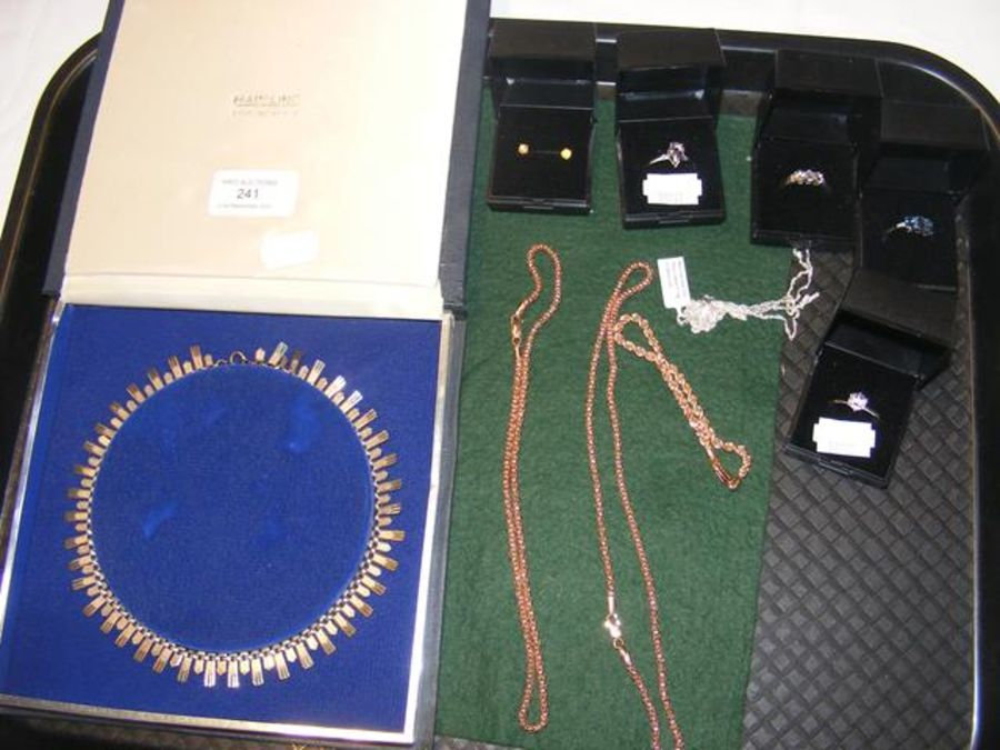 A selection of costume jewellery including necklac - Image 2 of 2
