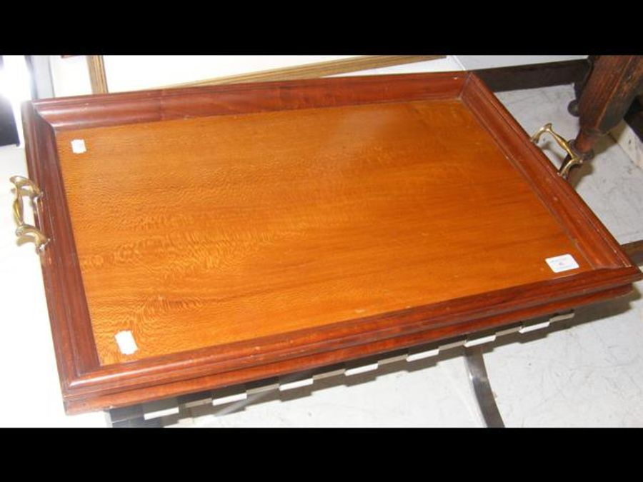 A George III satinwood two handled serving tray - Image 2 of 2
