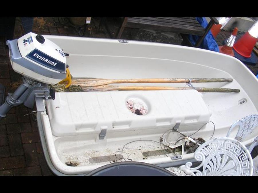 A 7.5ft long two person fibreglass boat with 4HP E - Image 2 of 2