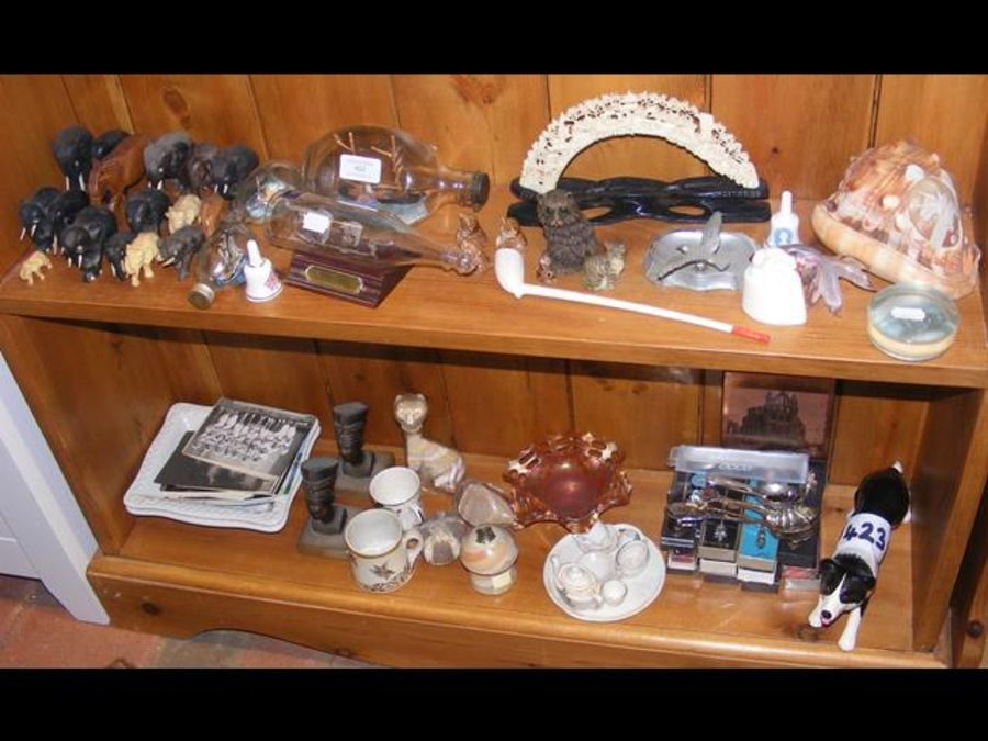 An assortment of curios, including carved elephant - Image 2 of 2