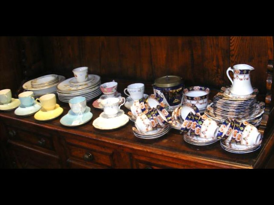 A selection of tea cups, saucers and plates etc - Image 2 of 2