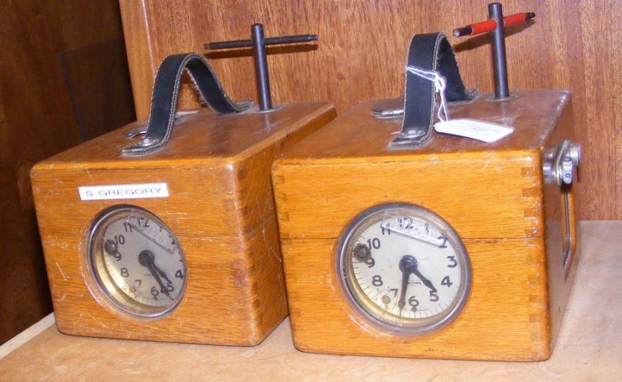 Two Benzing pigeon racing clocks in oak cases - Image 2 of 3
