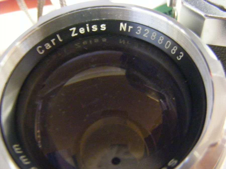 A Zeiss Ikon Contarex vintage camera, together wit - Image 3 of 7