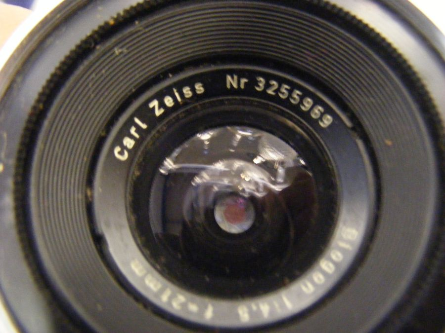 A Zeiss Ikon Contarex vintage camera, together wit - Image 7 of 7