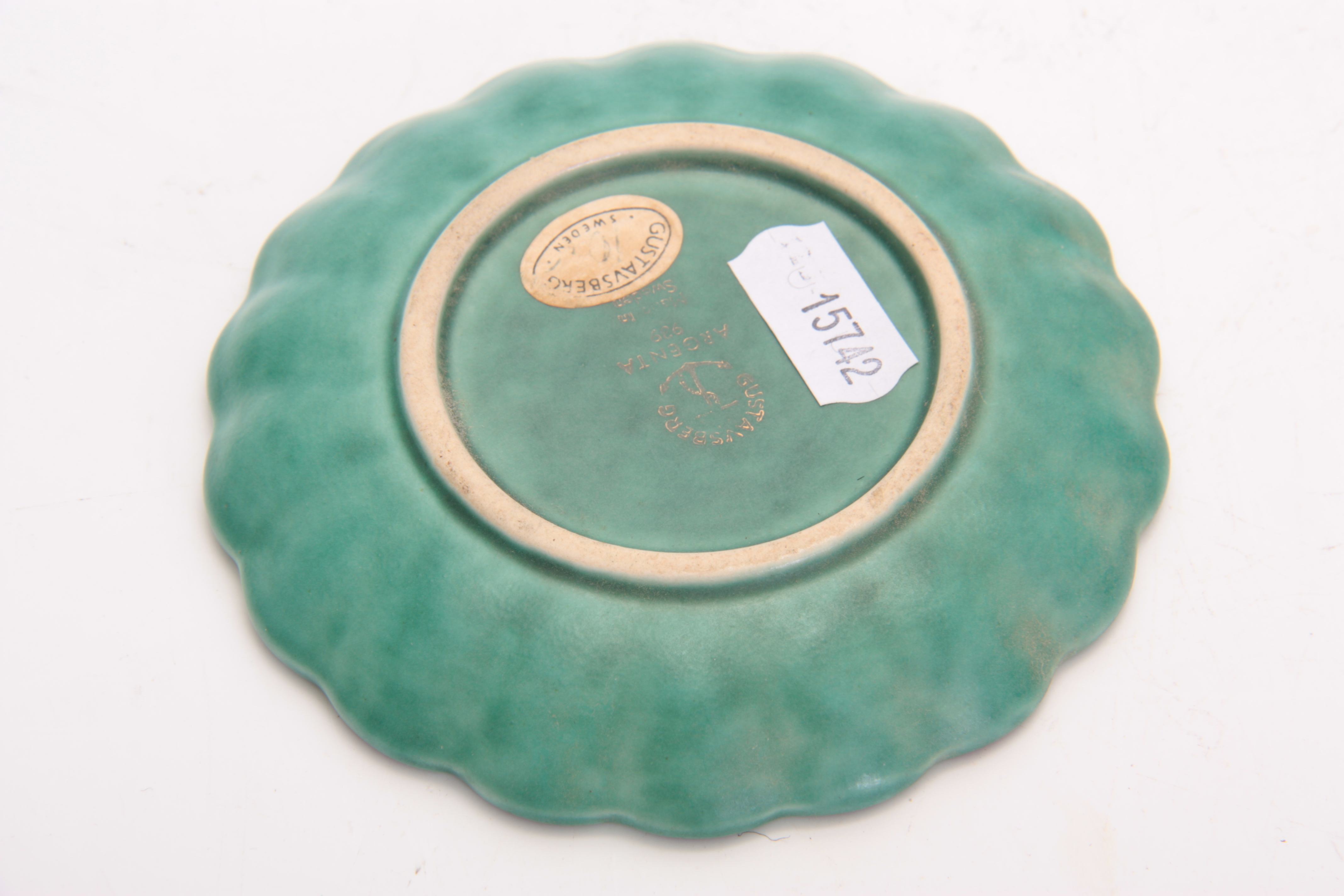 A GUSTAVSBERG, SWEDEN SHALLOW GREEN GLAZED SCALLOP-EDGE SMALL DISH with silver delicate flower spray - Image 3 of 3