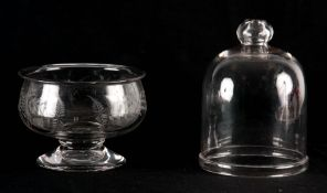 A GEORGIAN ETCHED GLASS BOWL ON STAND 10cm high, 13cm diameter, TOGETHER WITH AN ASSOCIATED GLASS
