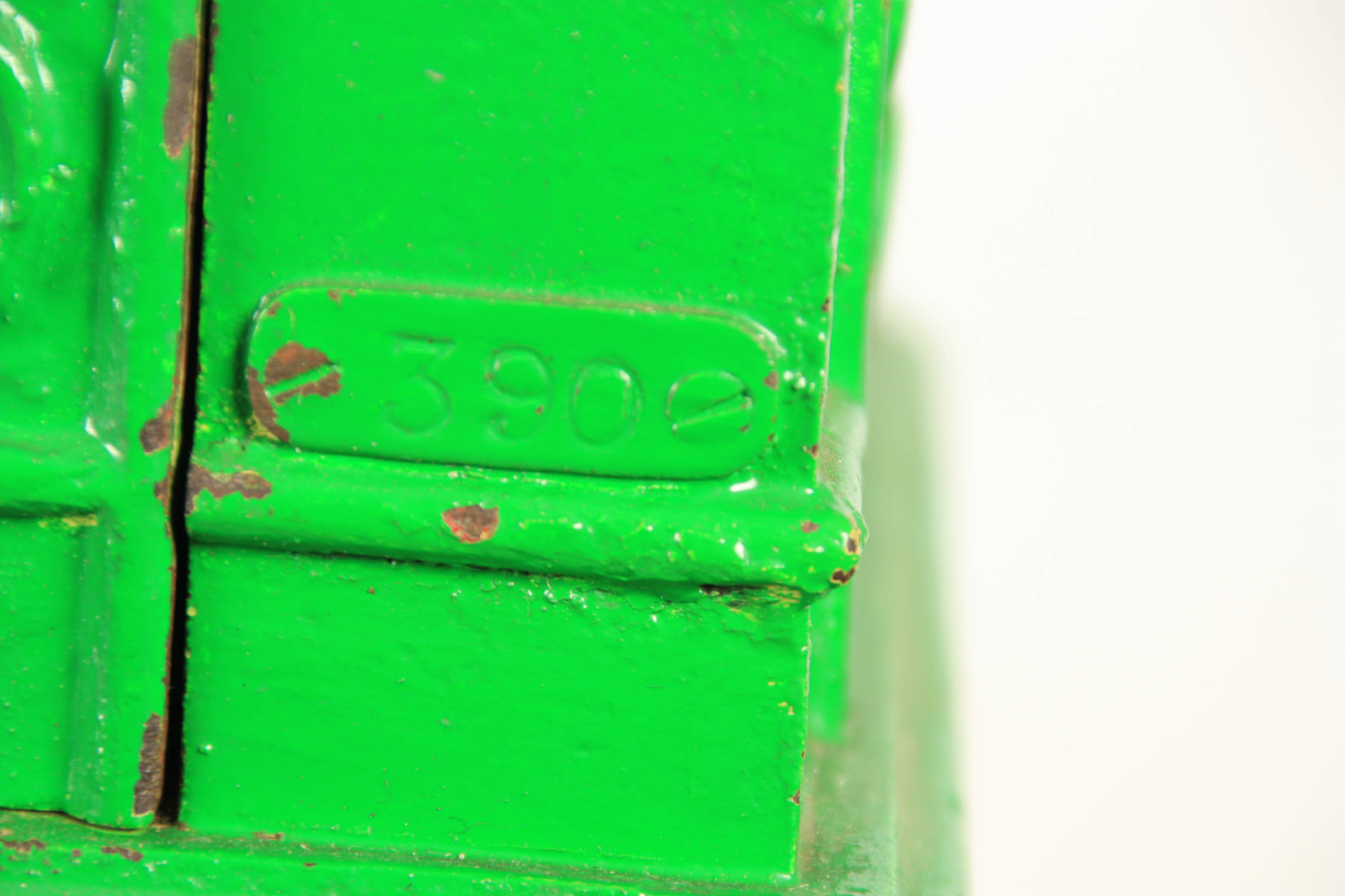 A LATE 19TH CENTURY PAINTED CAST IRON 'PENNY IN THE SLOT' CRICKET ARCADE MACHINE with tile effect - Image 12 of 14