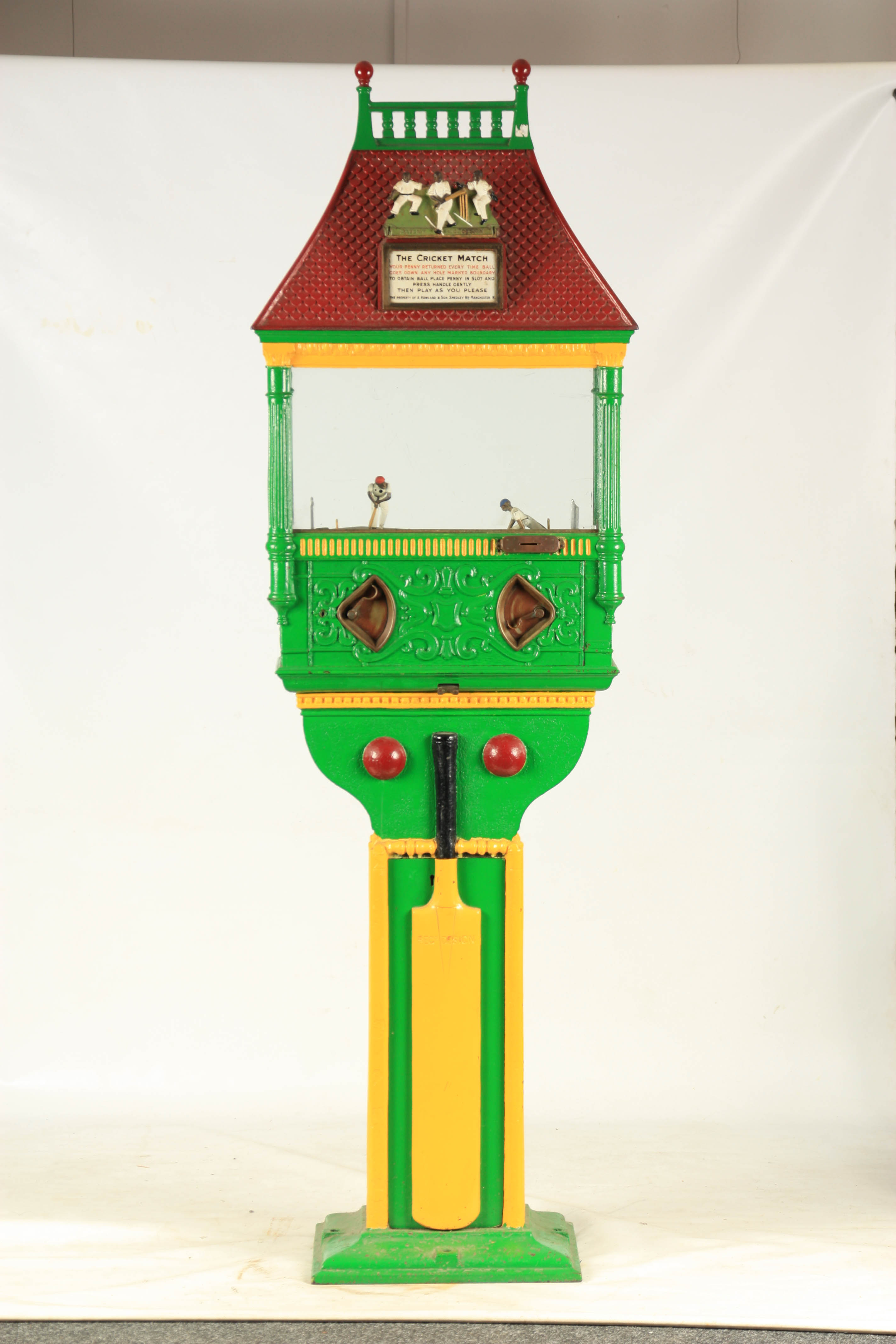 A LATE 19TH CENTURY PAINTED CAST IRON 'PENNY IN THE SLOT' CRICKET ARCADE MACHINE with tile effect - Image 4 of 14