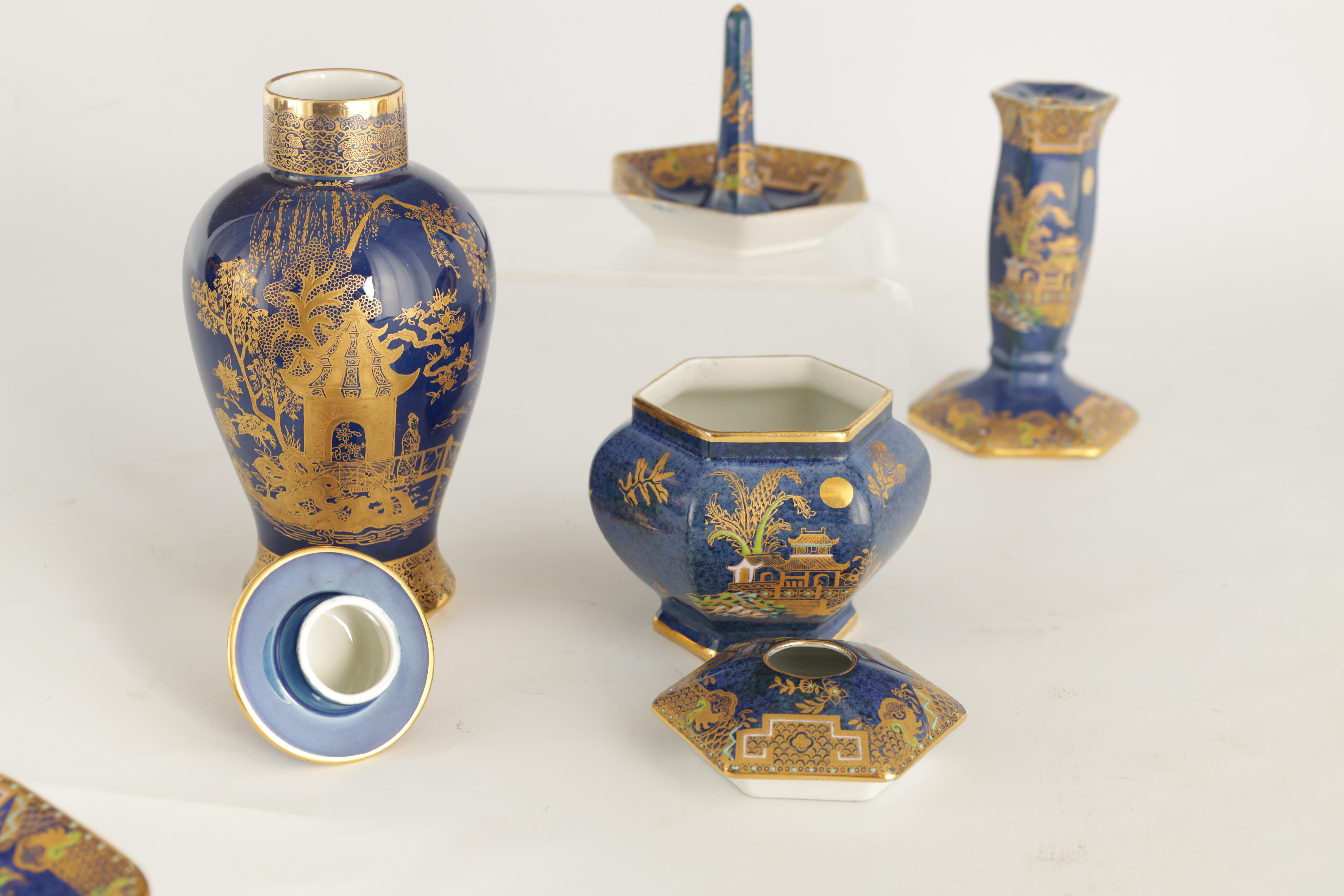 A CARLTON WARE FIVE PIECE DRESSING TABLE SET decorated in an oriental gilt pattern with pagodas - Image 12 of 18