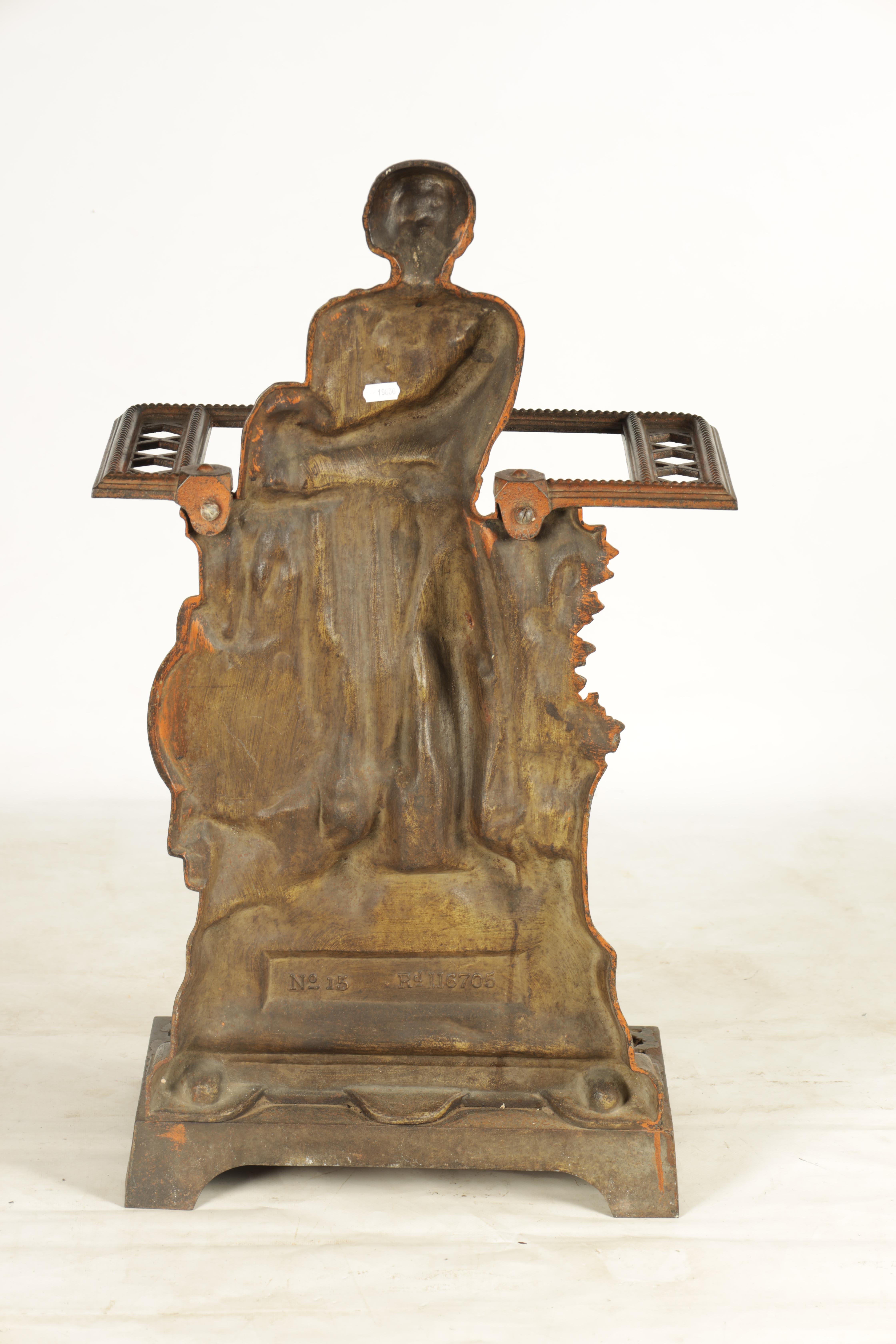 A LATE 19TH CENTURY PAINTED CAST IRON COALBROOKEDALE STYLE STICK STAND DEPICTING WILLIAM WALLACE - Image 5 of 5