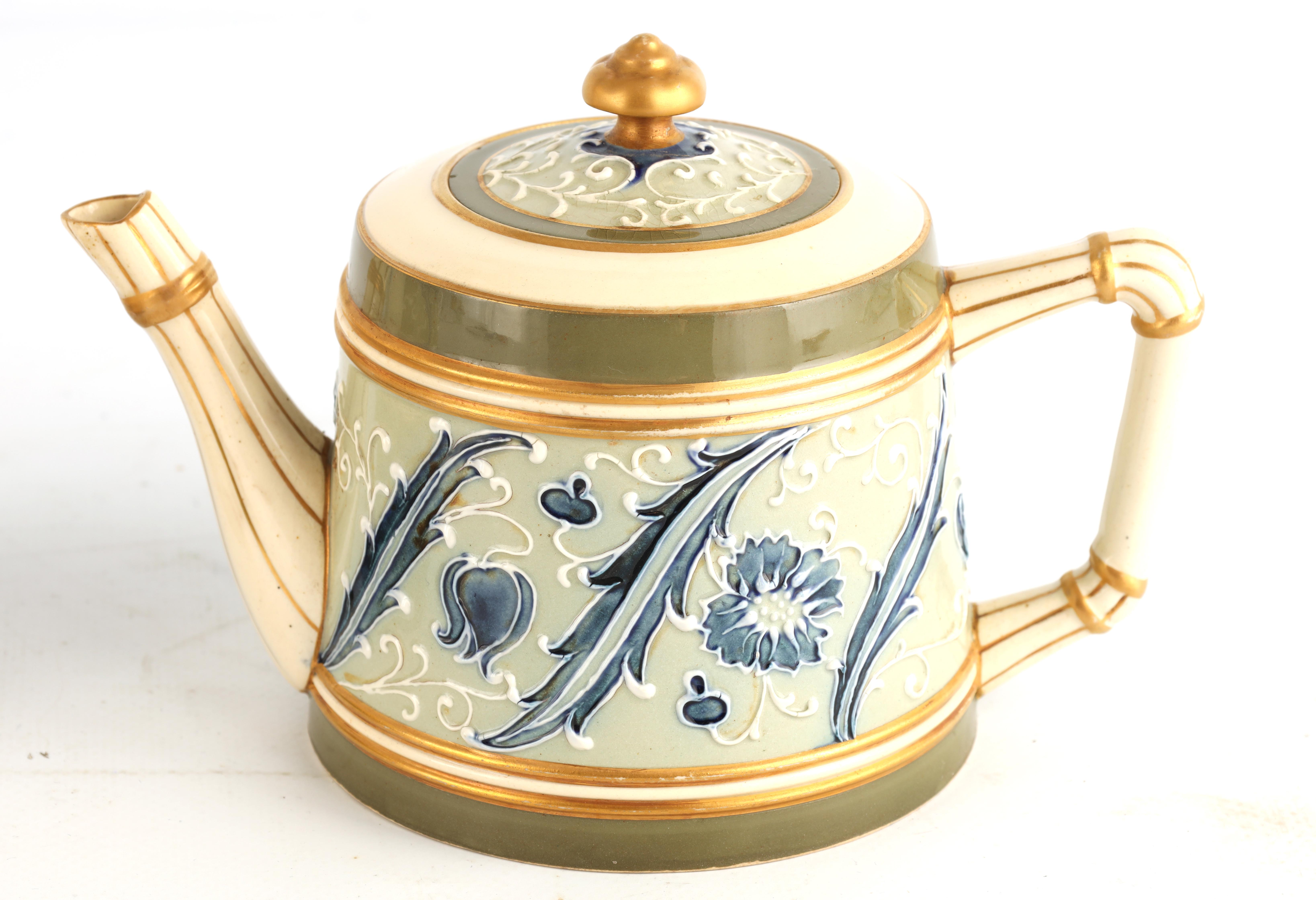 AN EARLY MACINTYRE BURSLEM TAPERING COFFEE POT AND MATCHING TEAPOT decorated in the Sicilian - Image 3 of 10