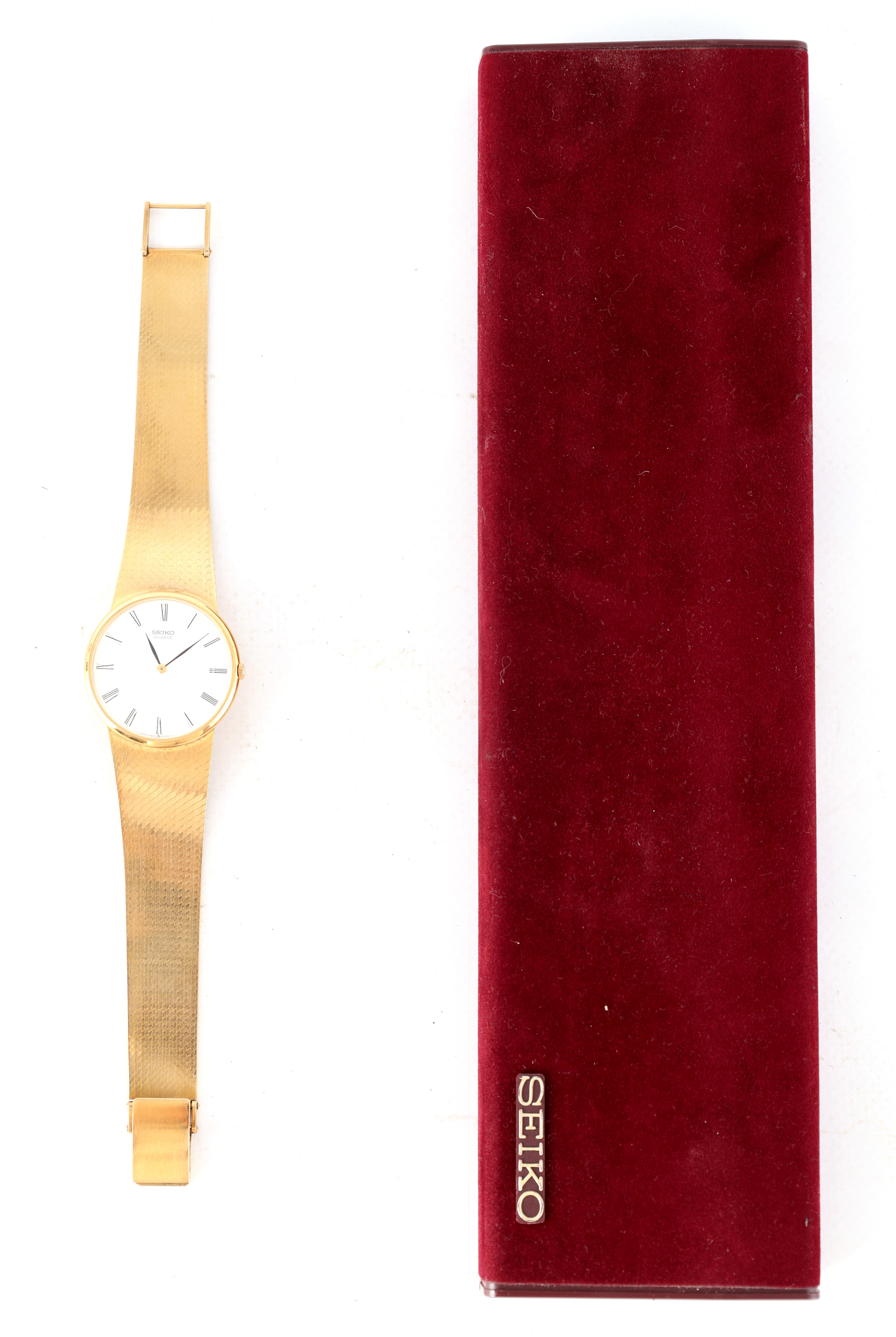 A GENTLEMAN'S 9CT GOLD SEIKO WRISTWATCH on original 9ct gold bracelet The white enamel dial with - Image 4 of 8