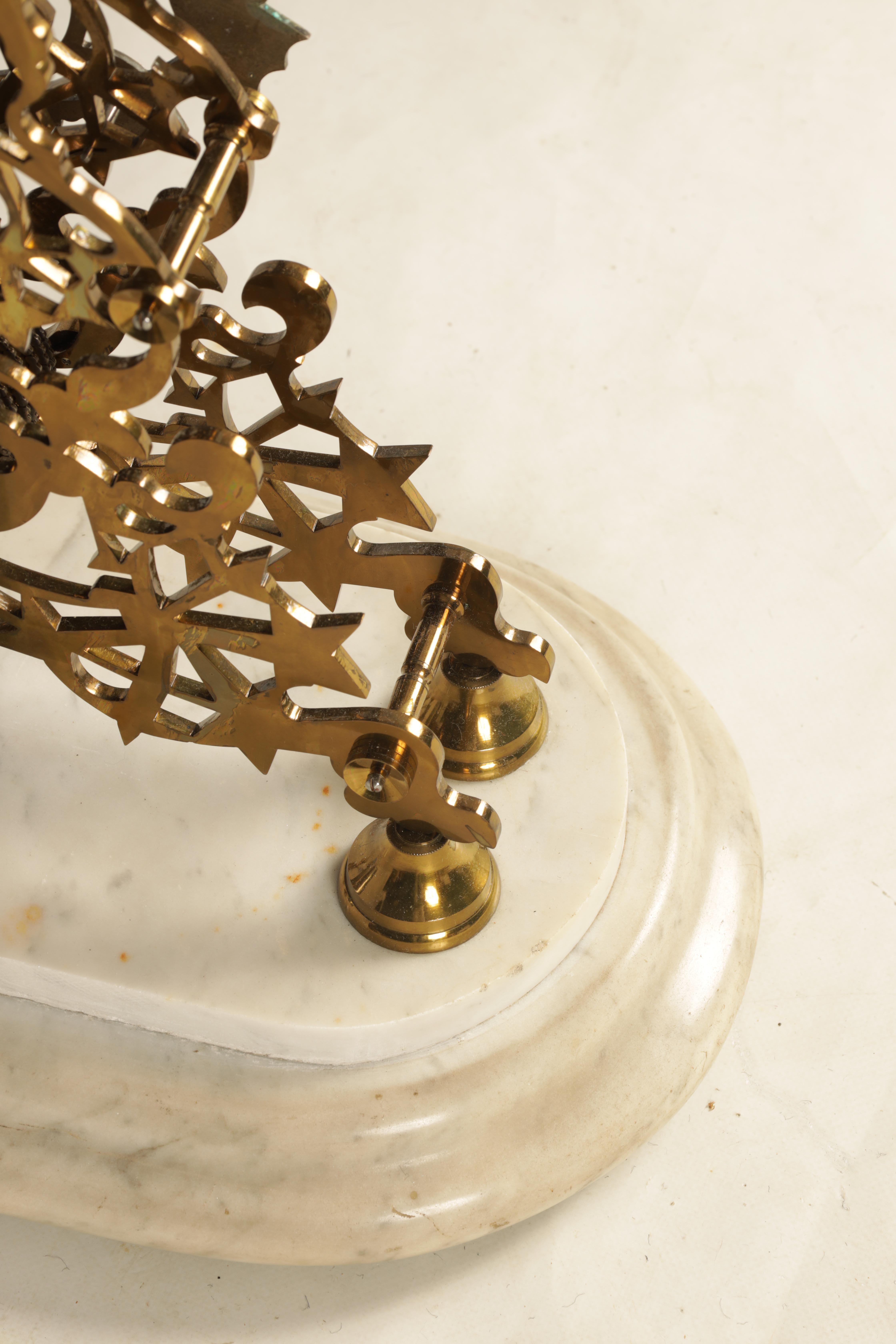 ATTRIBUTED TO EVANS OF HANDSWORTH A FINE LATE 19TH CENTURY BRASS FRAMED SKELETON TABLE REGULATOR - Image 8 of 12
