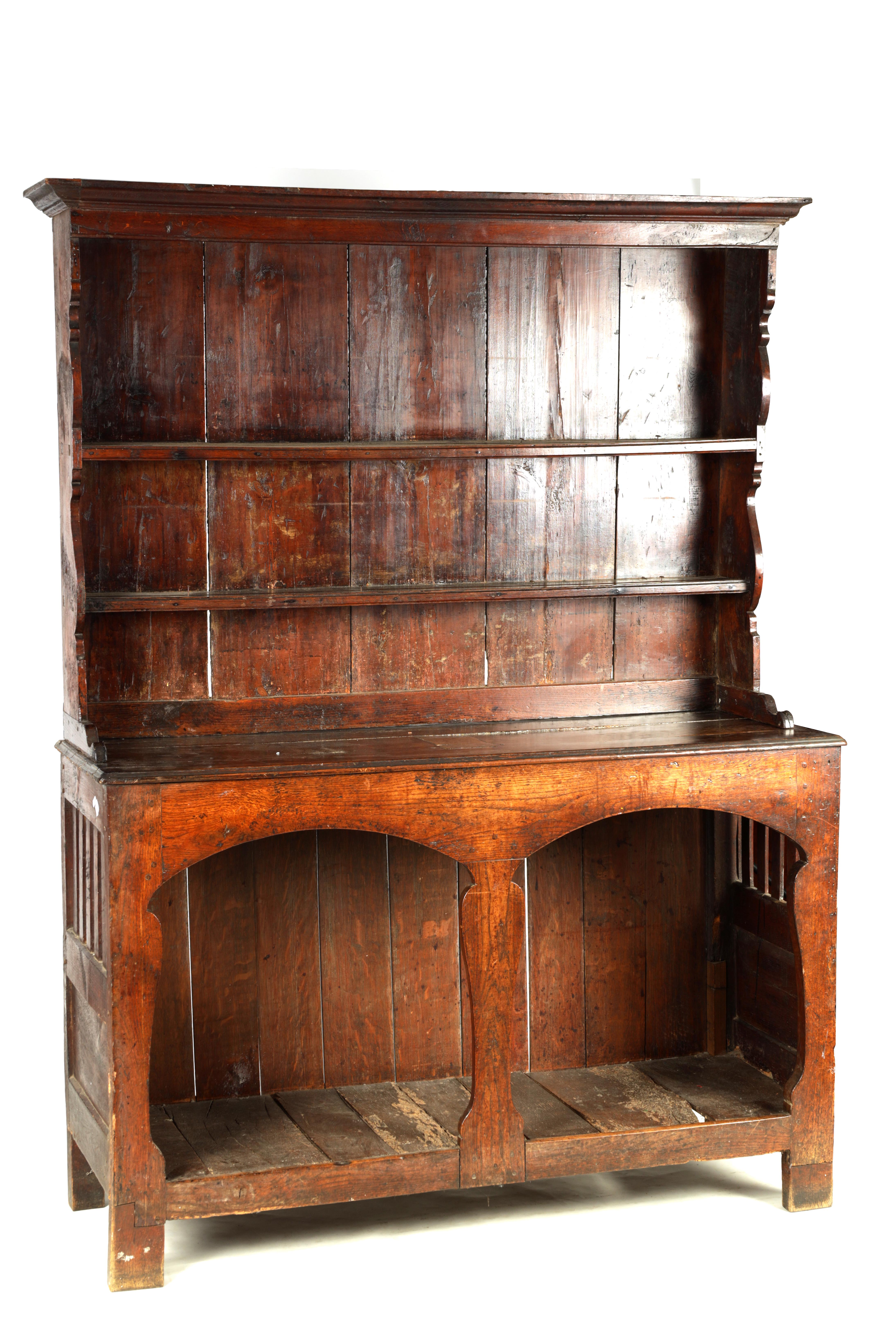 AN EARLY 18TH CENTURY SILHOUETTE LEG OAK DRESSER AND RACK with shaped moulded rack fitted two - Image 2 of 10