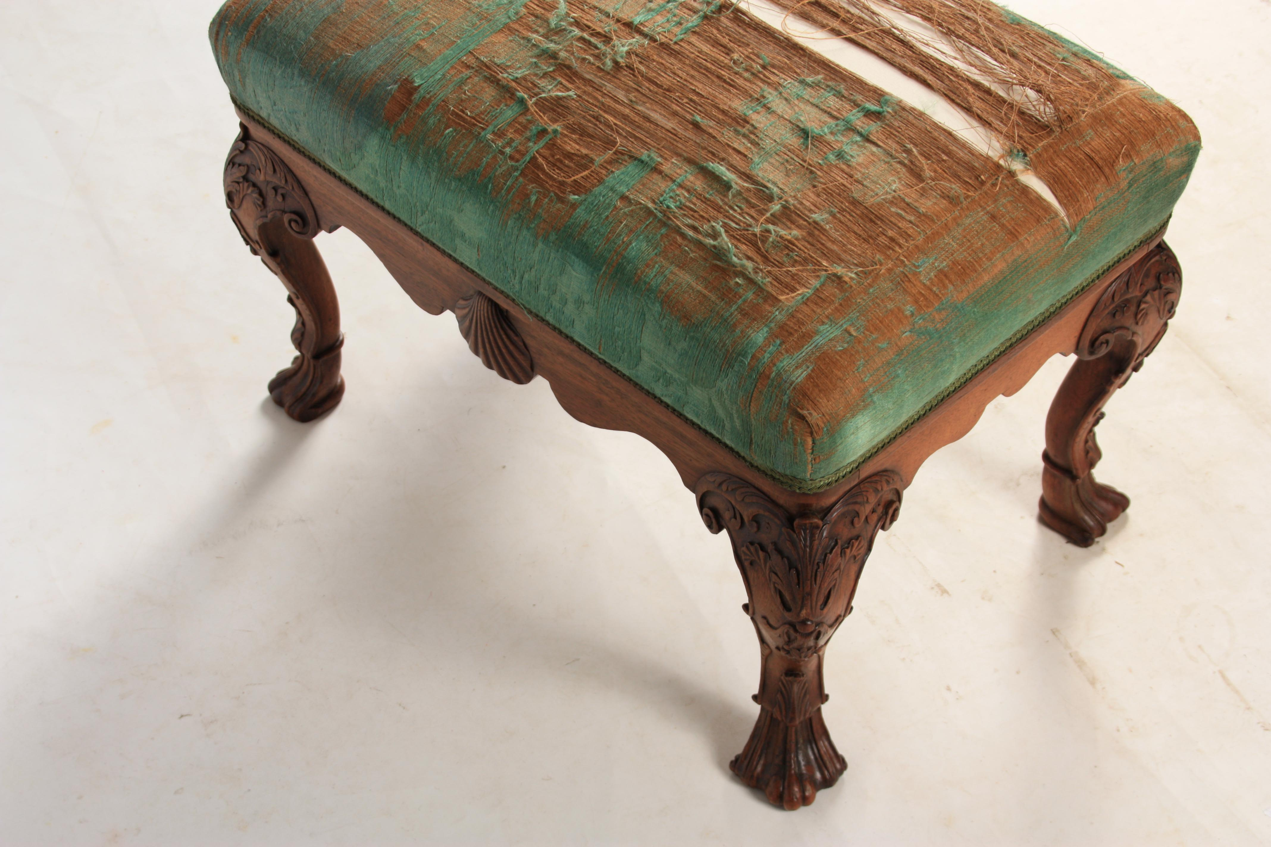 A MID 18TH CENTURY IRISH STYLE MAHOGANY DRESSING TABLE STOOL with upholstered top above shaped rails - Image 6 of 7