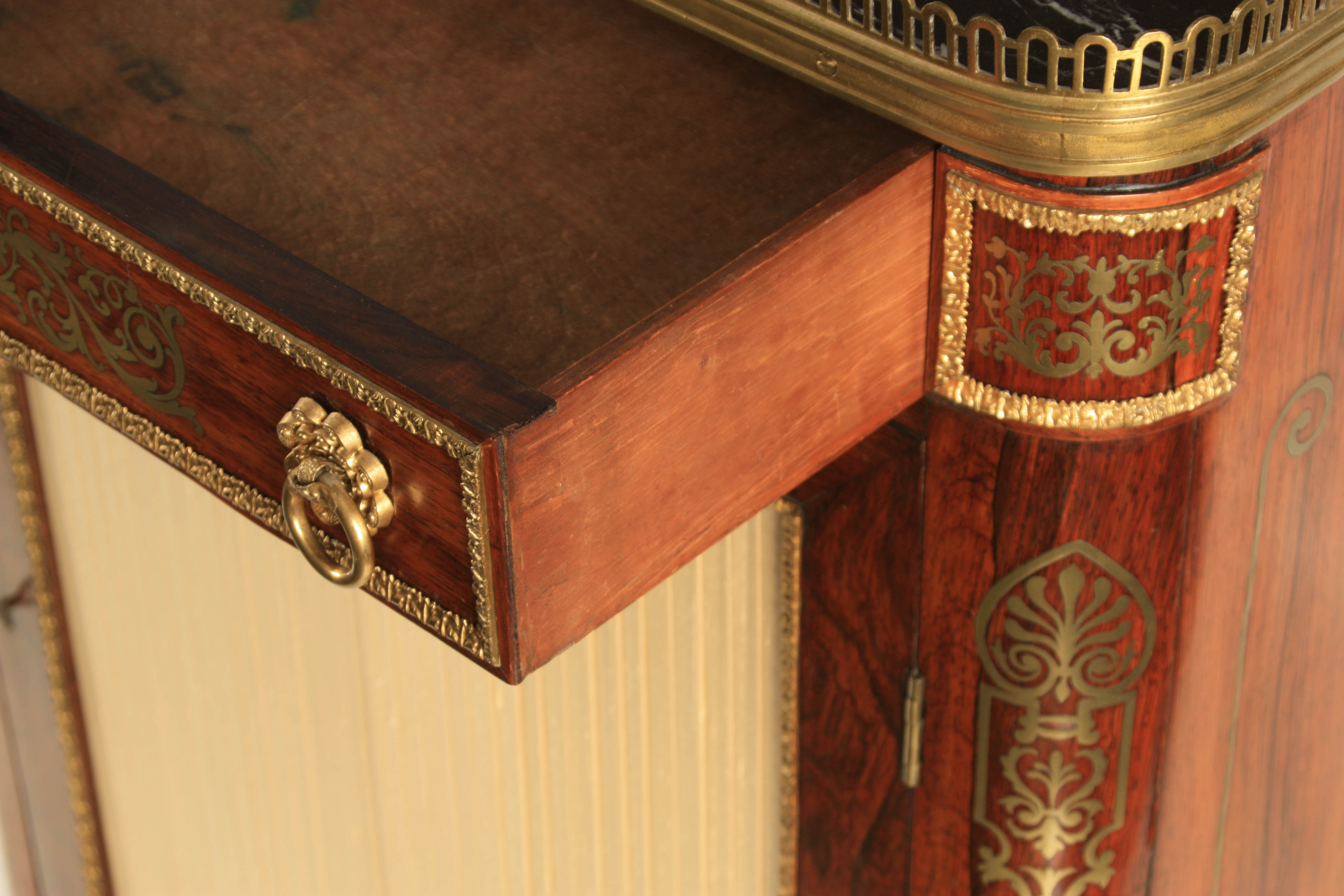 A FINE REGENCY BRASS INLAID ROSEWOOD SIDE CABINET IN THE MANNER OF JOHN MCCLEAN the brass - Image 6 of 7