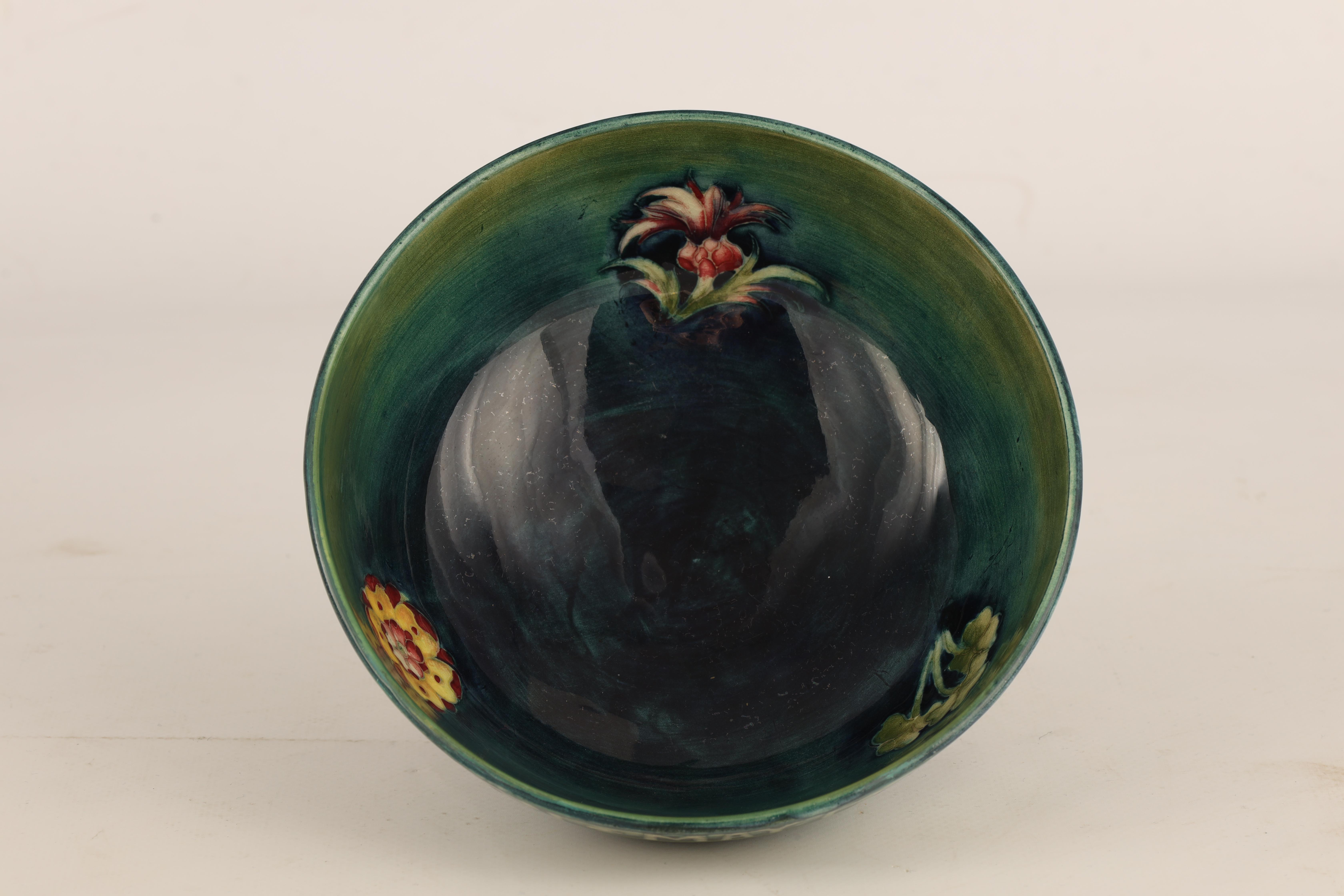 A 1930S MOORCROFT FOOTED BOWL COMMEMORATING THE CORONATION OF GEORGE VI AND QUEEN ELIZABETH MAY 12th - Image 4 of 6
