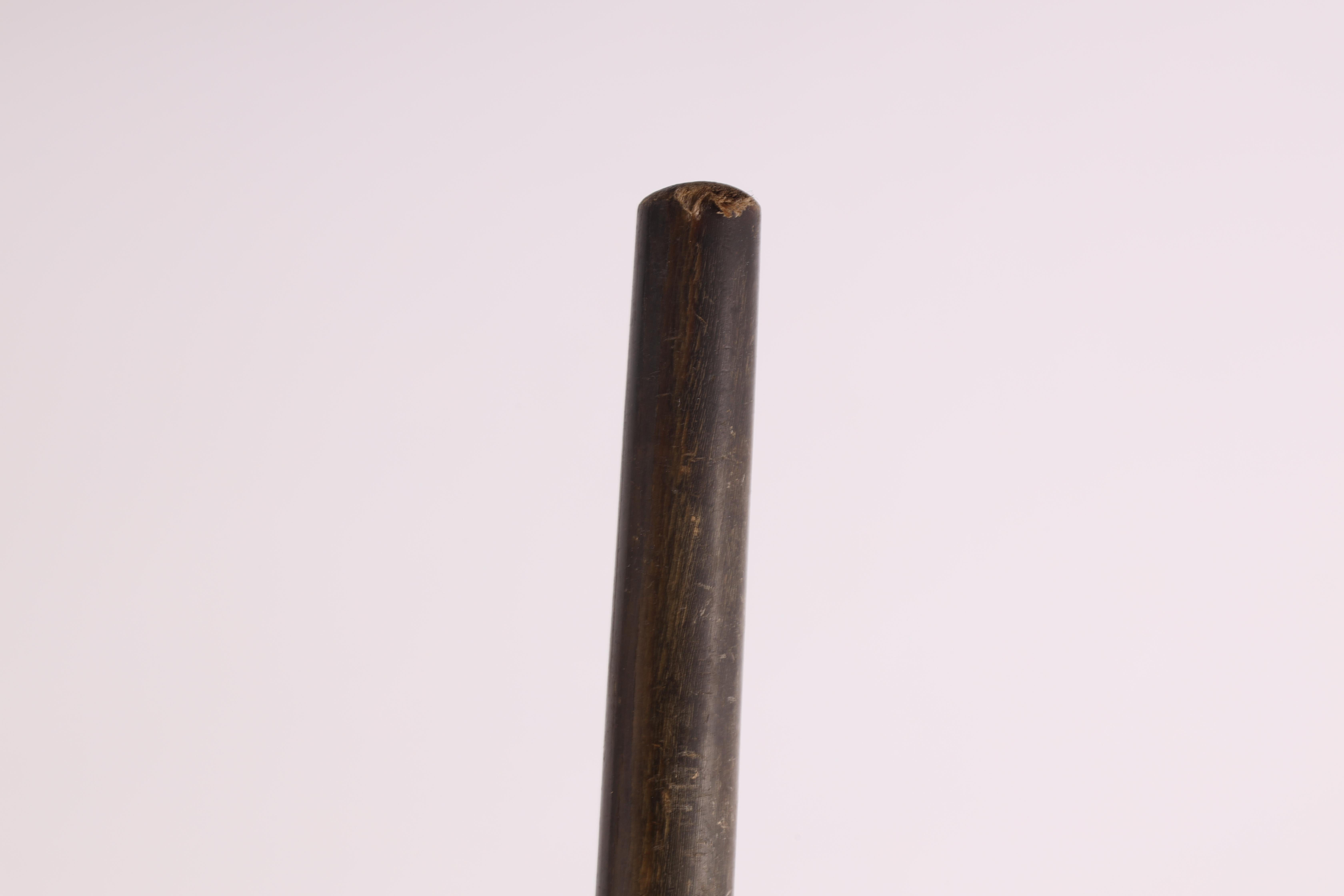 A 19TH CENTURY HORN WALKING CANE possibly rhinoceros 84cm overall - Image 4 of 4