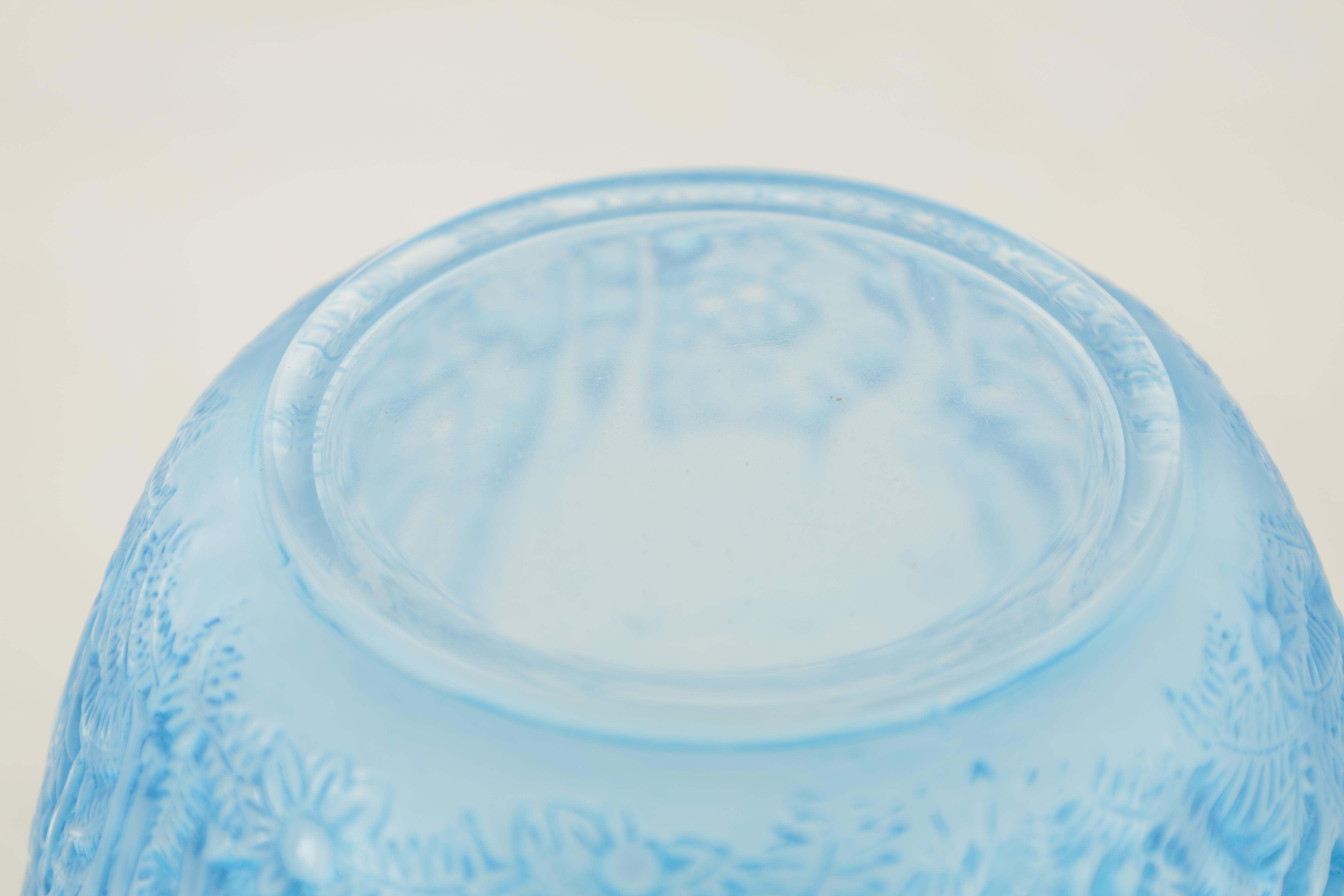 R LALIQUE, A BLUE STAINED 'BICHES' GLASS VASE of ovoid form with inward curved rim and collared neck - Image 5 of 7