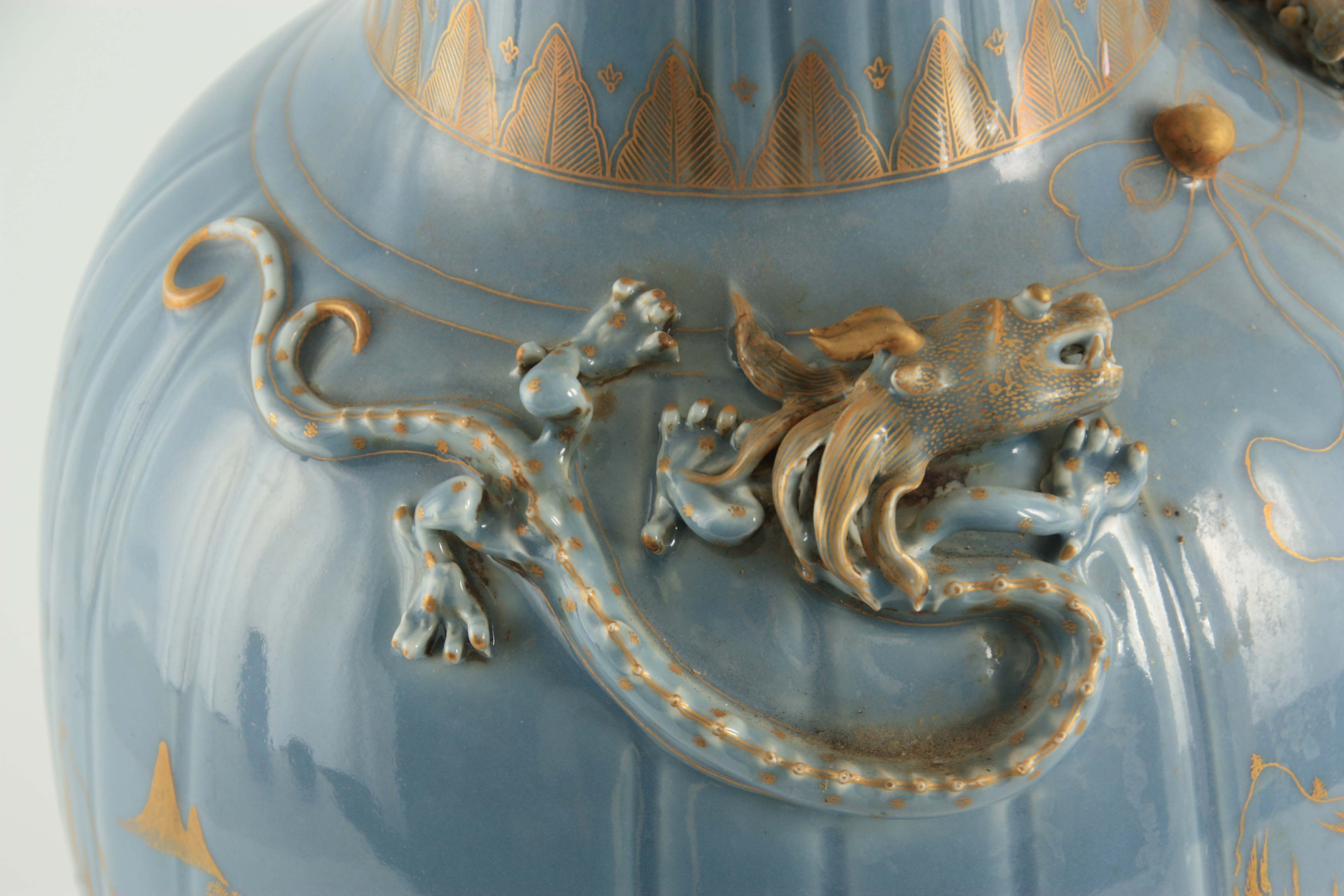 AN IMPRESSIVE 19TH CENTURY CHINESE BLUE AND GILT DECORATED VASE of ribbed shape with scrolled - Image 5 of 7