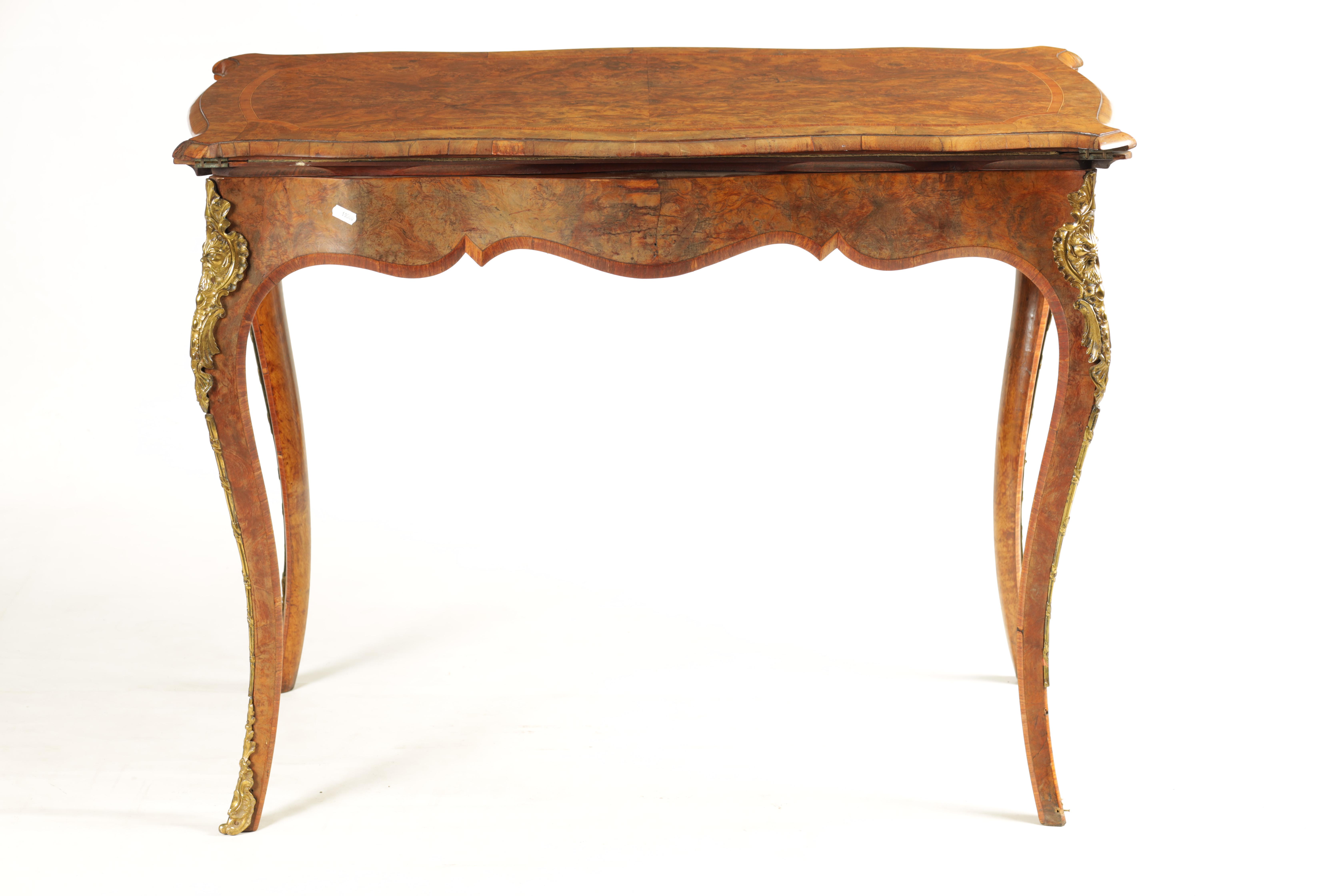 A 19TH CENTURY FRENCH KINGWOOD CROSS-BANDED BURR WALNUT SERPENTINE CARD TABLE with ormolu mounts and - Image 12 of 13