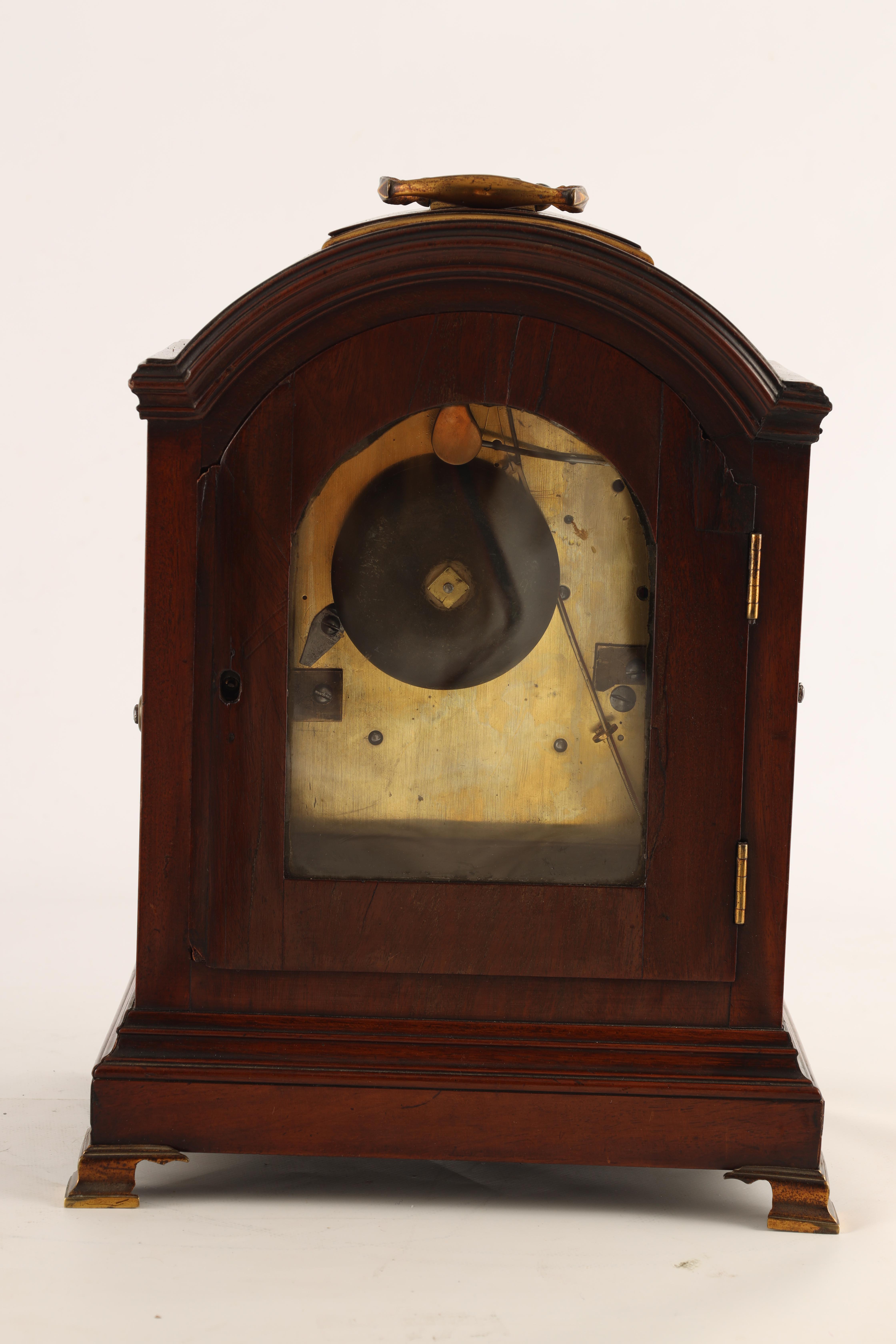 JOHN DOBBS, LONDON A LATE GEORGE III MAHOGANY VERGE BRACKET CLOCK the figured mahogany case with - Image 7 of 8