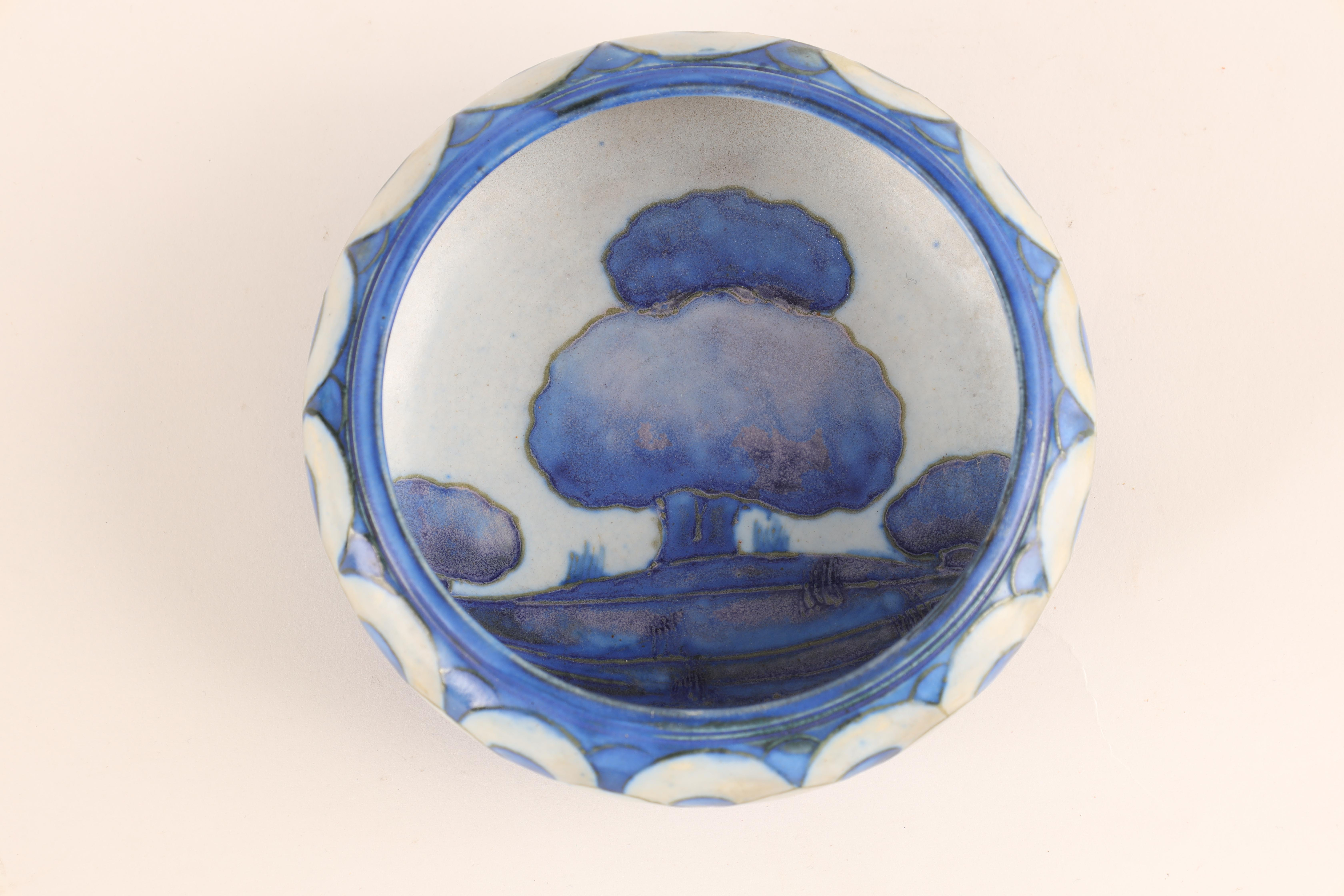 A MOORCROFT SMALL SHALLOW DISH WITH CURVED RIM decorated in the blue ground Dawn Landscape pattern - Image 4 of 5