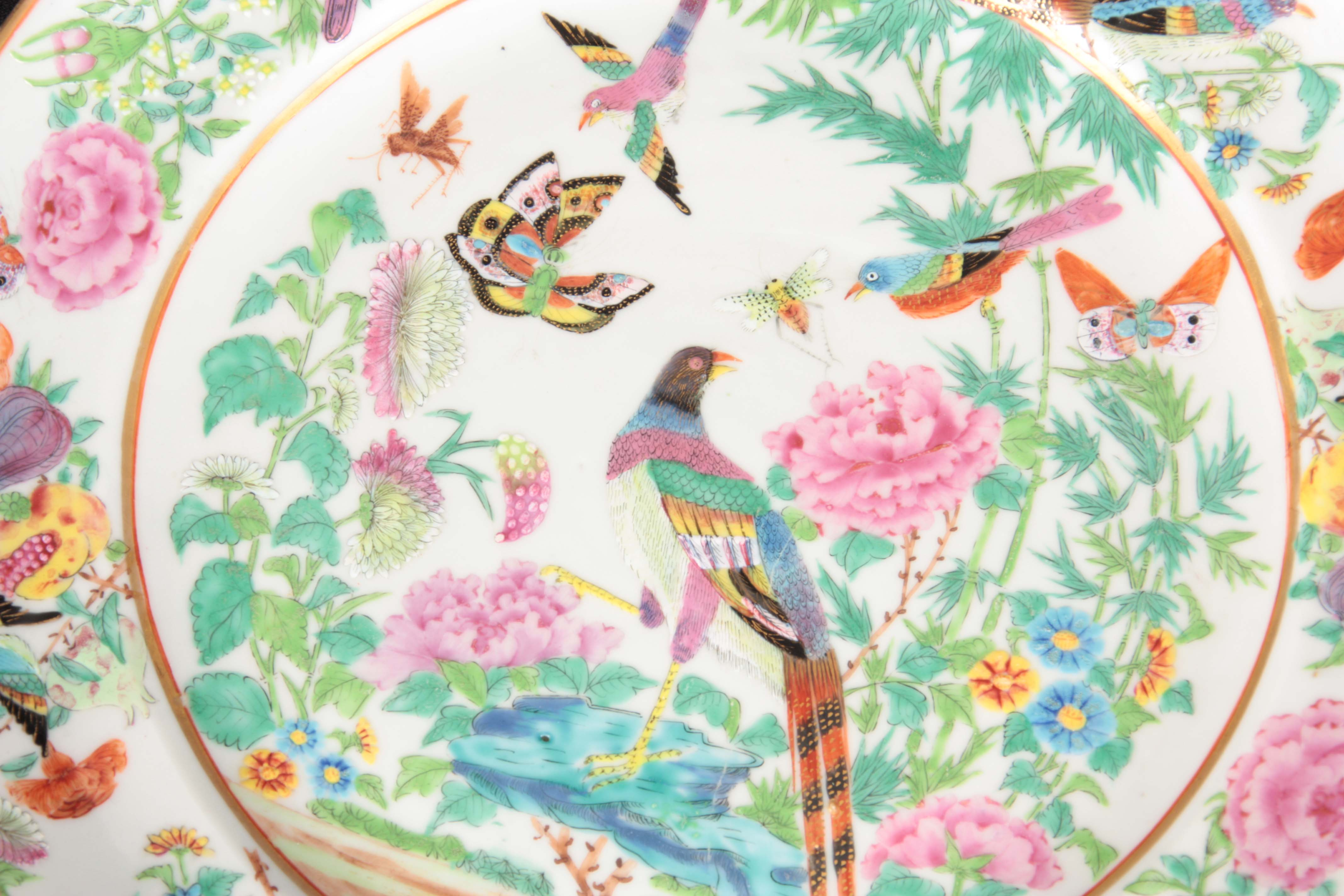 TWO FINE 19TH CENTURY CHINESE FAMILLE VERTE PORCELAIN PLATES decorated with brightly coloured - Image 2 of 5