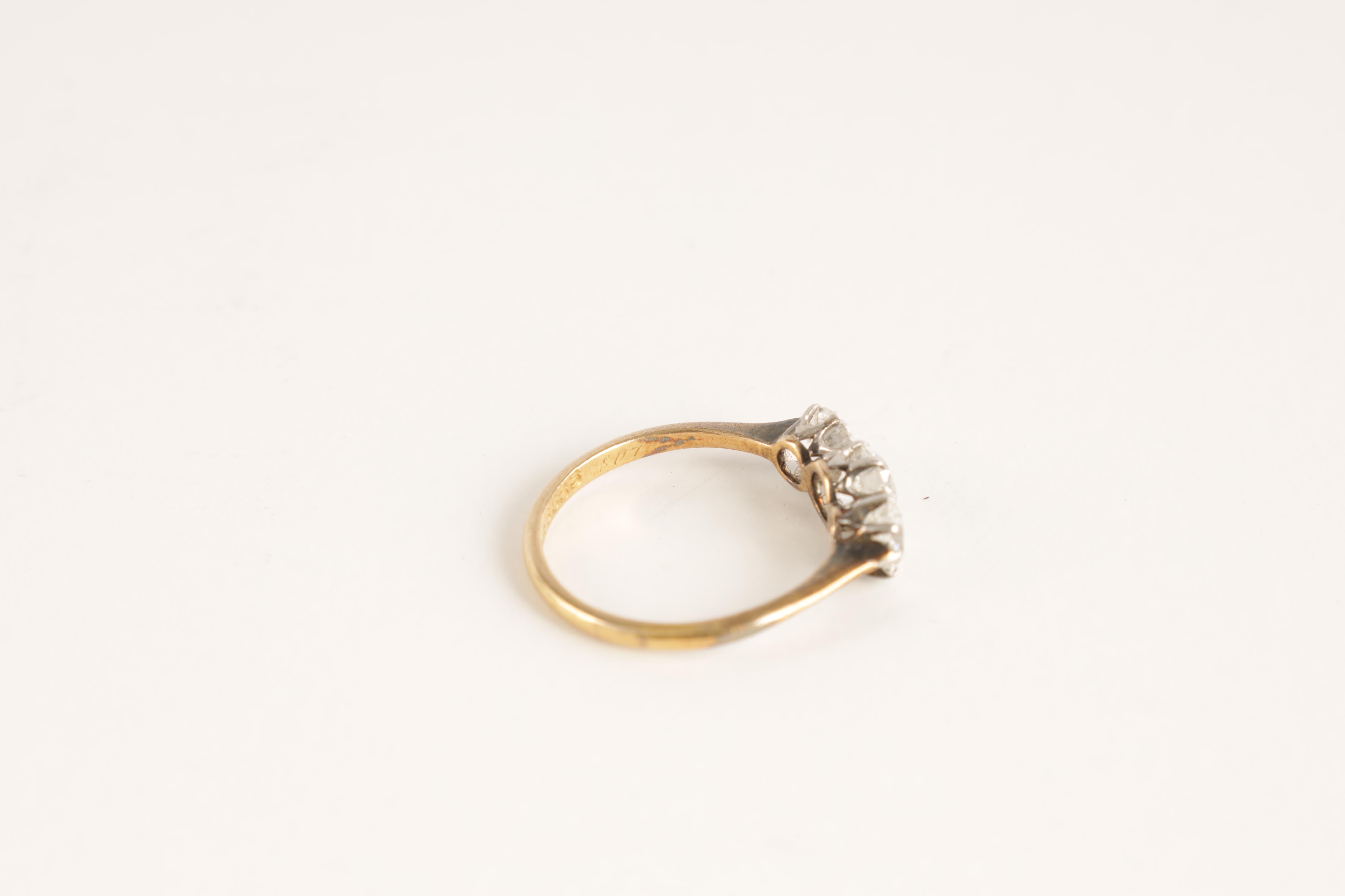 A LADIES THREE STONE DIAMOND RING on an 18ct gold shank, app. 1.2cts. of diamonds, clarity SI2, - Image 3 of 5