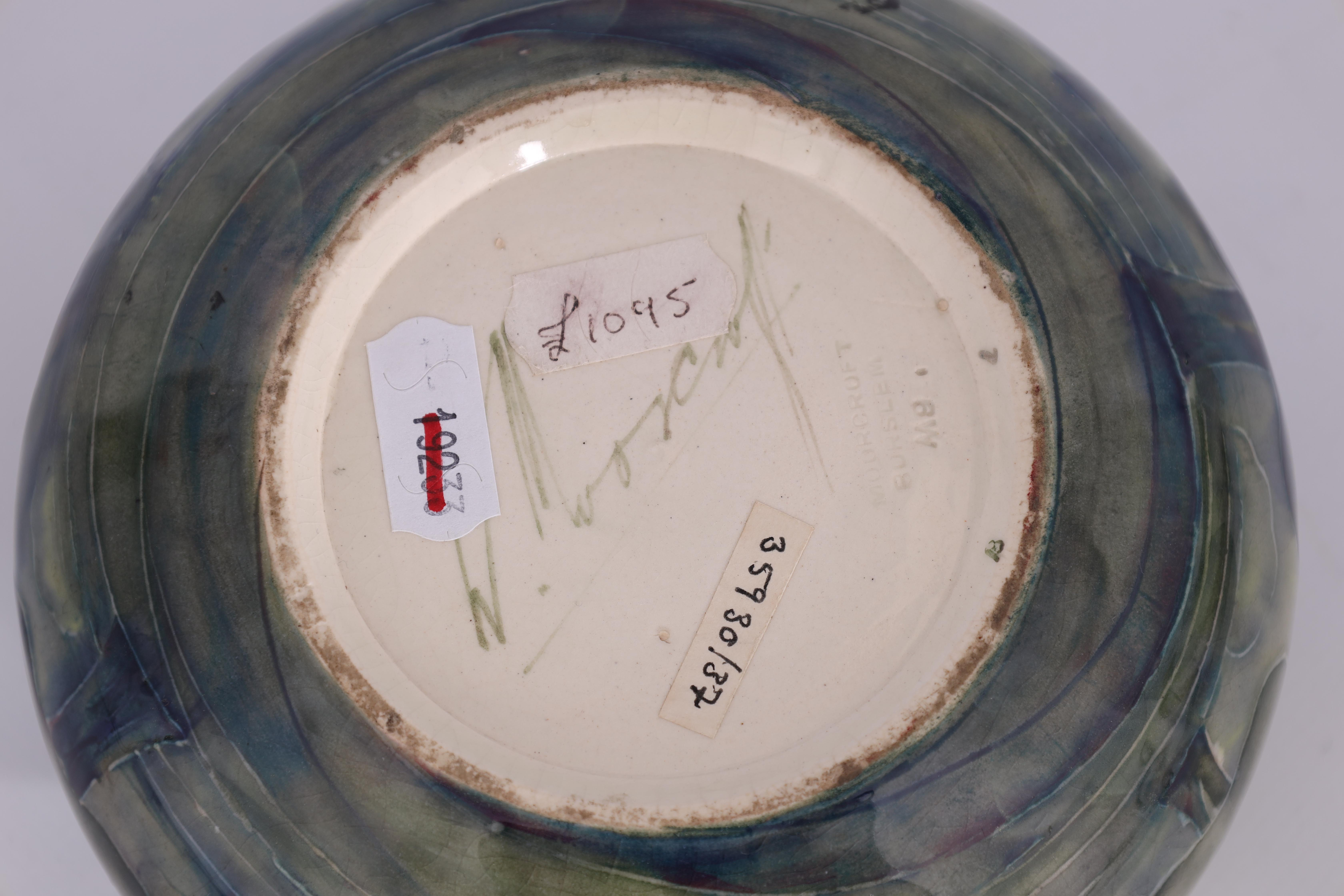 A WILLIAM MOORCROFT BURSLEM SHALLOW BOWL WITH CURVED RIM decorated in the Hazeldene pattern in - Image 4 of 5