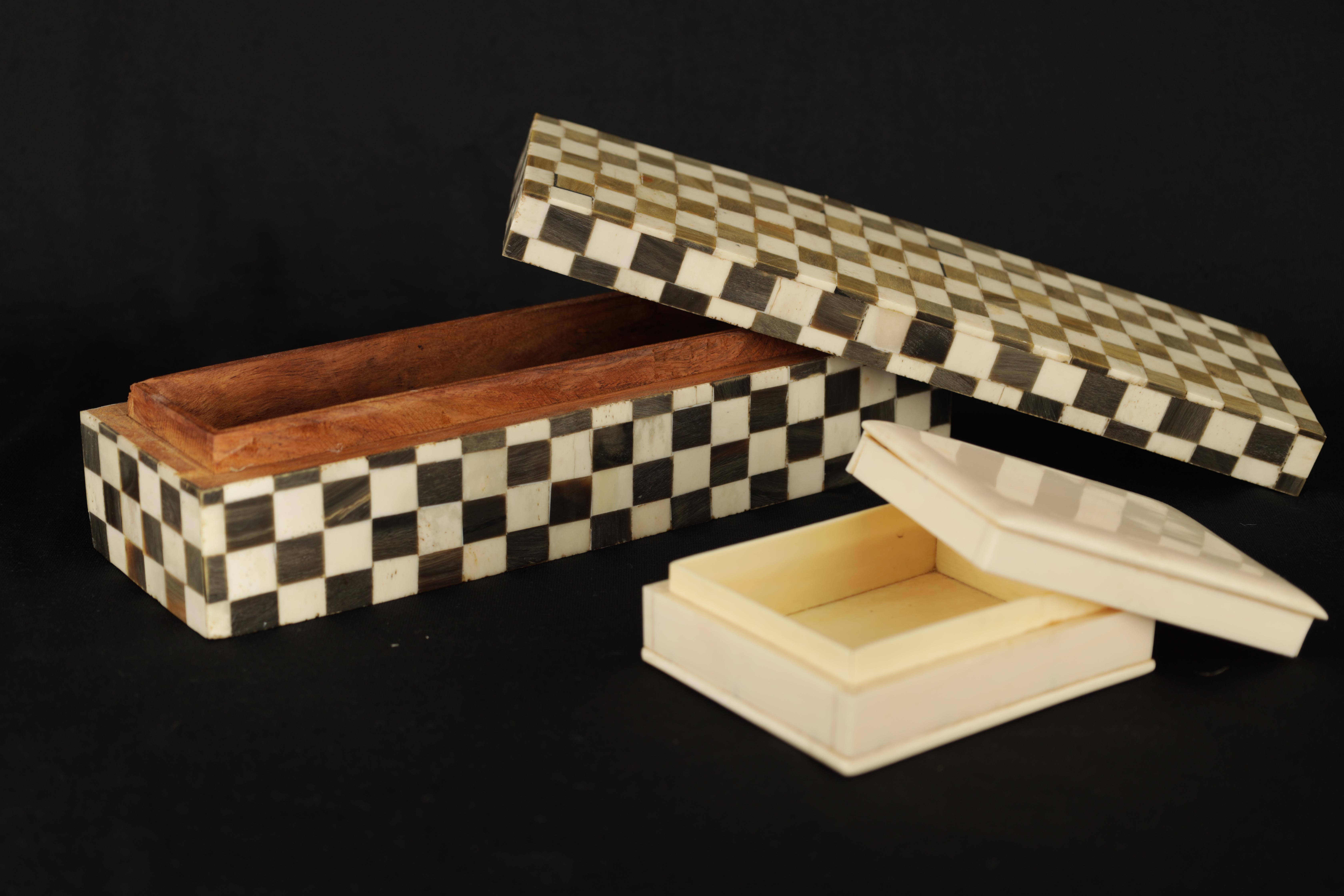 AN ANGLO INDIAN CHEQUERED BALINE AND BONE INLAID HARDWOOD BOX 27cm wide 9cm deep 7cm high TOGETHER - Image 2 of 5