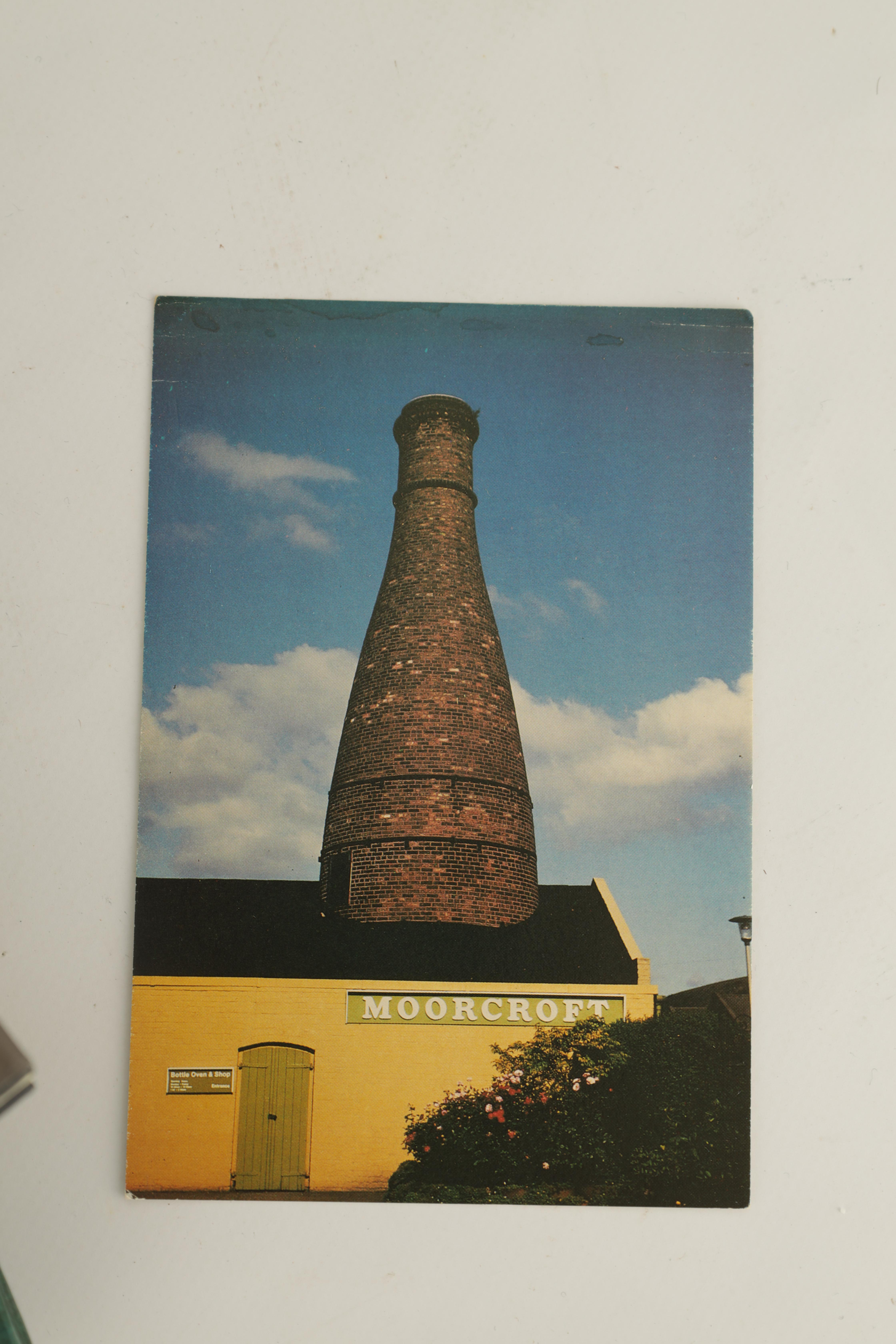 A COLLECTION OF EIGHT CERAMIC REFERENCE BOOKS including Poole pottery by Lesley Haward edited by - Image 7 of 9