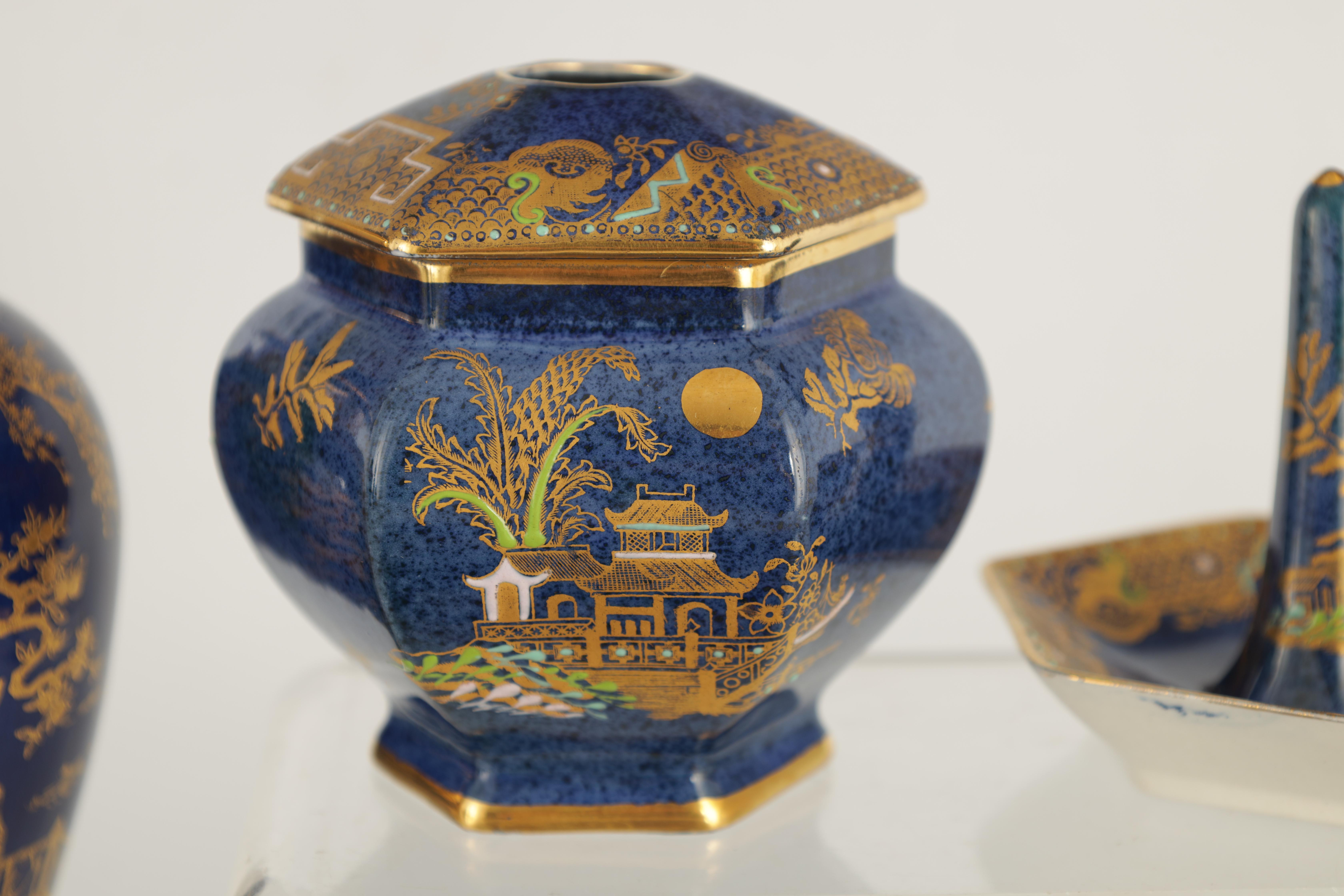 A CARLTON WARE FIVE PIECE DRESSING TABLE SET decorated in an oriental gilt pattern with pagodas - Image 6 of 18