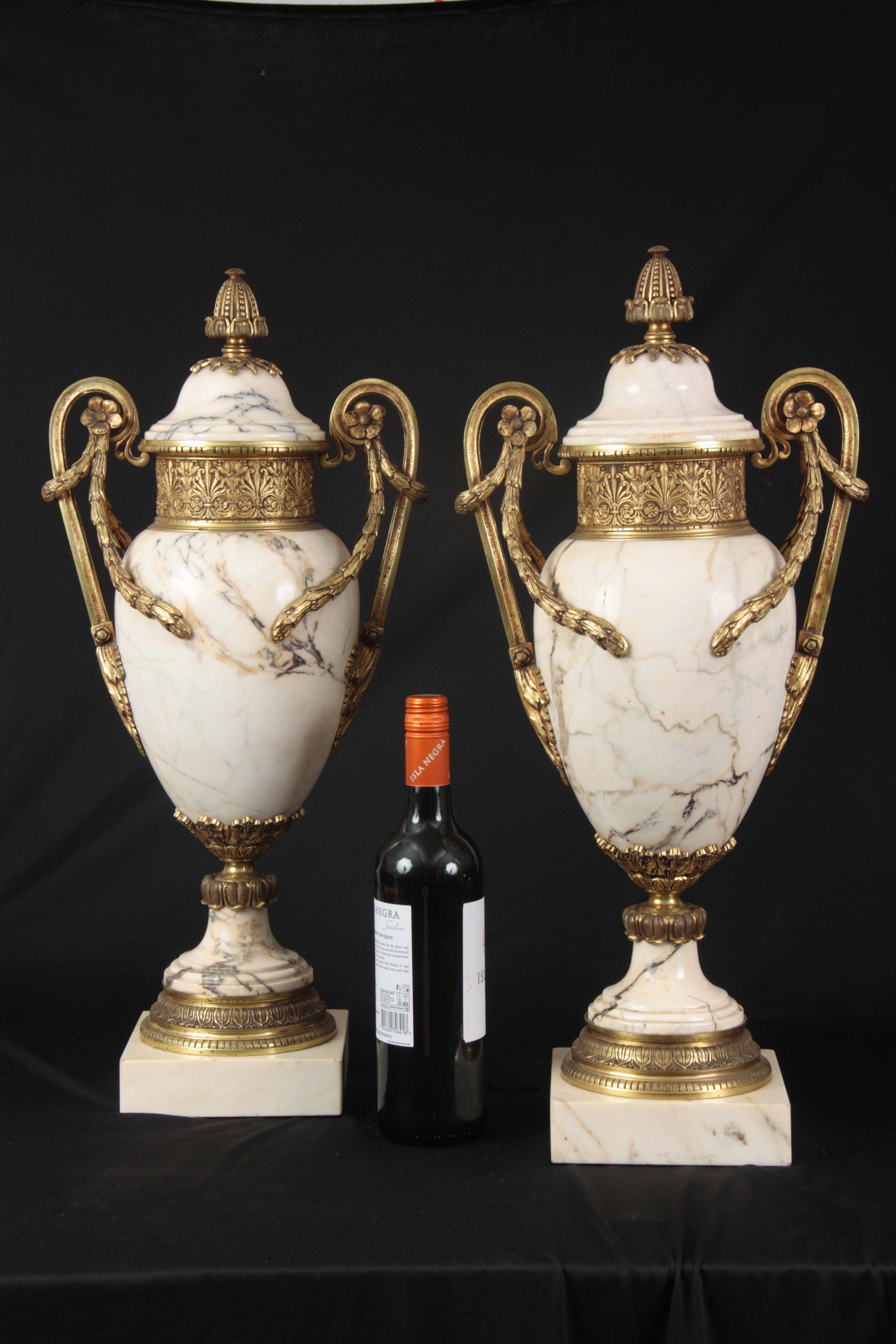 AN IMPRESSIVE PAIR OF FRENCH ORMOLU MOUNTED VEINED WHITE MARBLE CASOLETTES with floral swag work - Image 8 of 8